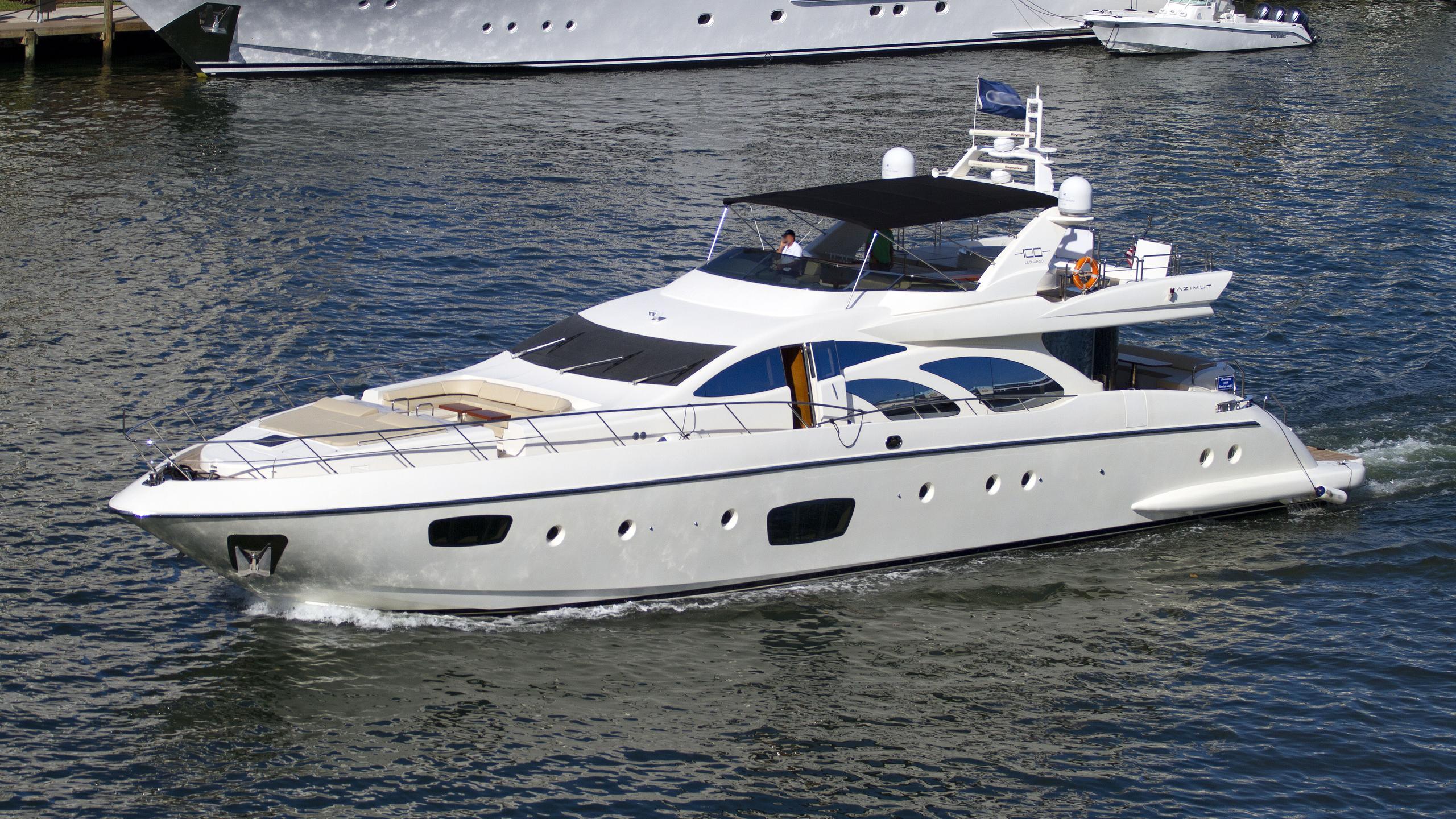 intervention veloz motoryacht azimut leonardo 100 2010 31m half profile