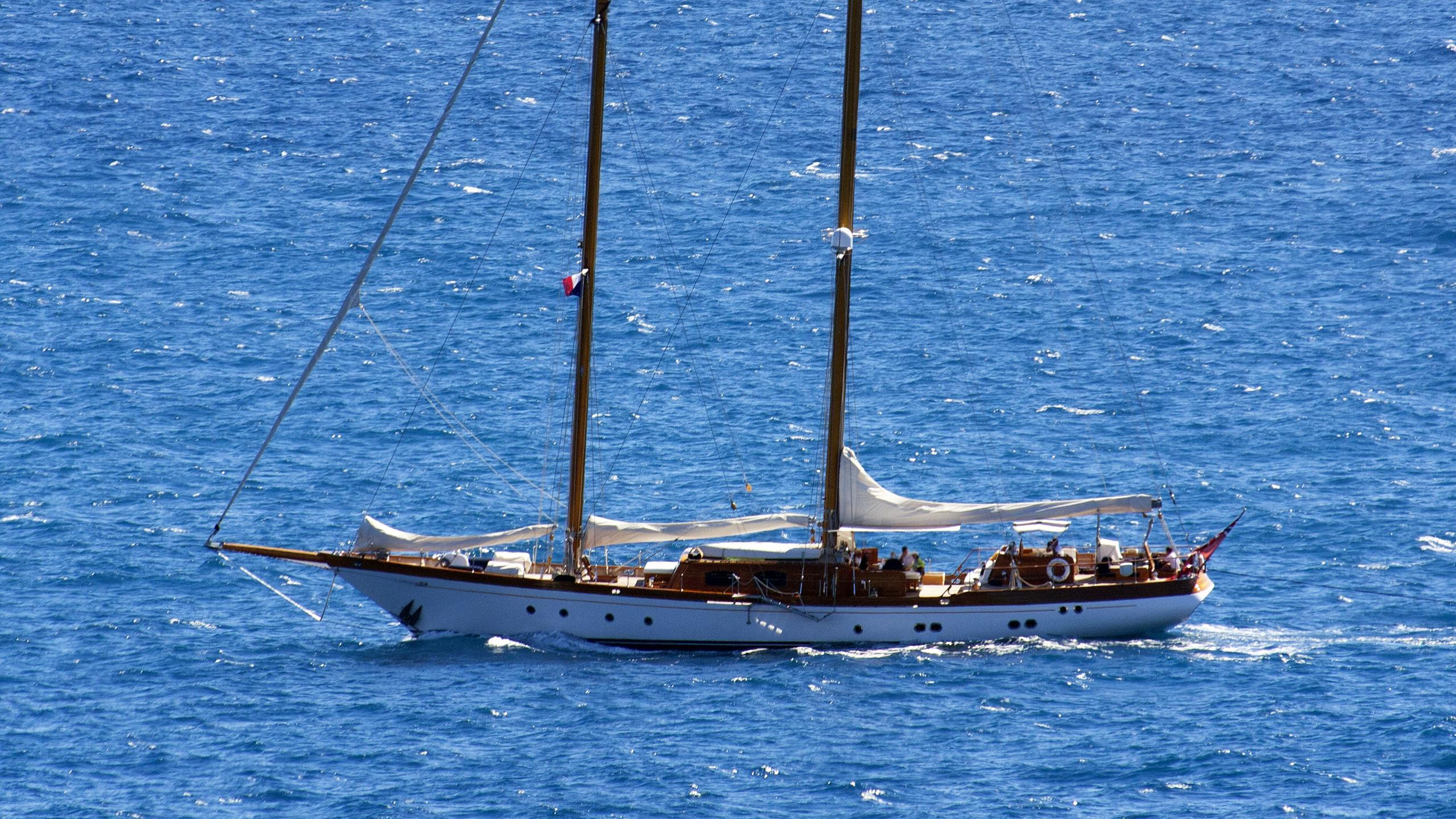 seljm-sailing-yacht-sangermani-1980-34m-aerial