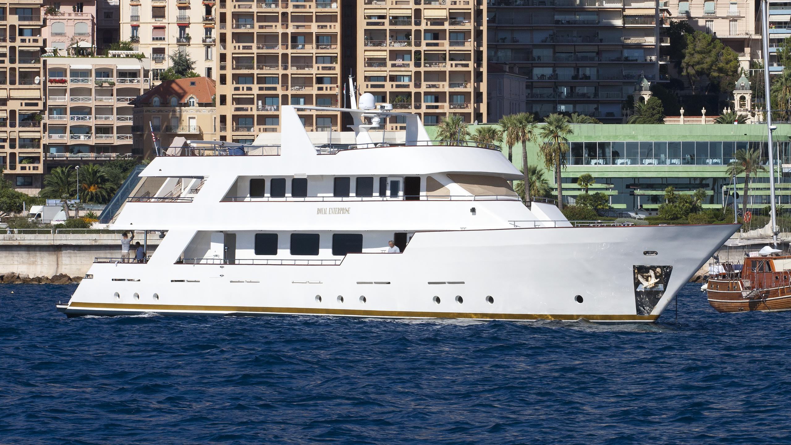 royal-enterprise-motor-yacht-aegean-yachts-2006-32m-half-profile