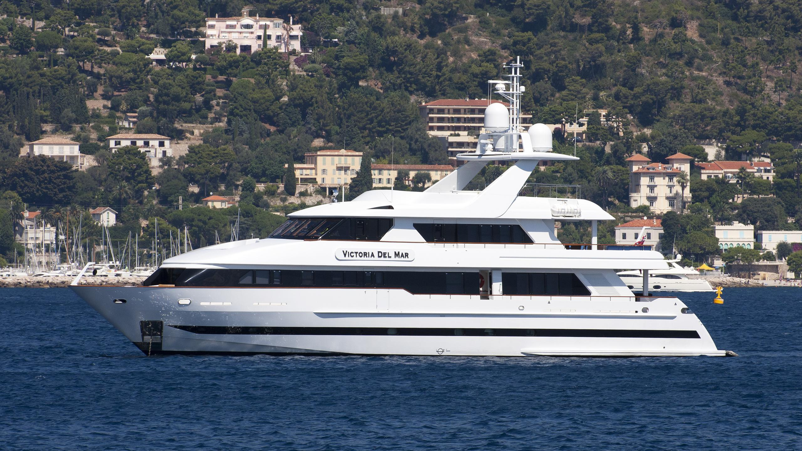 castellina virginia victoria del mar motoryacht moonen 120 2001 37m profile