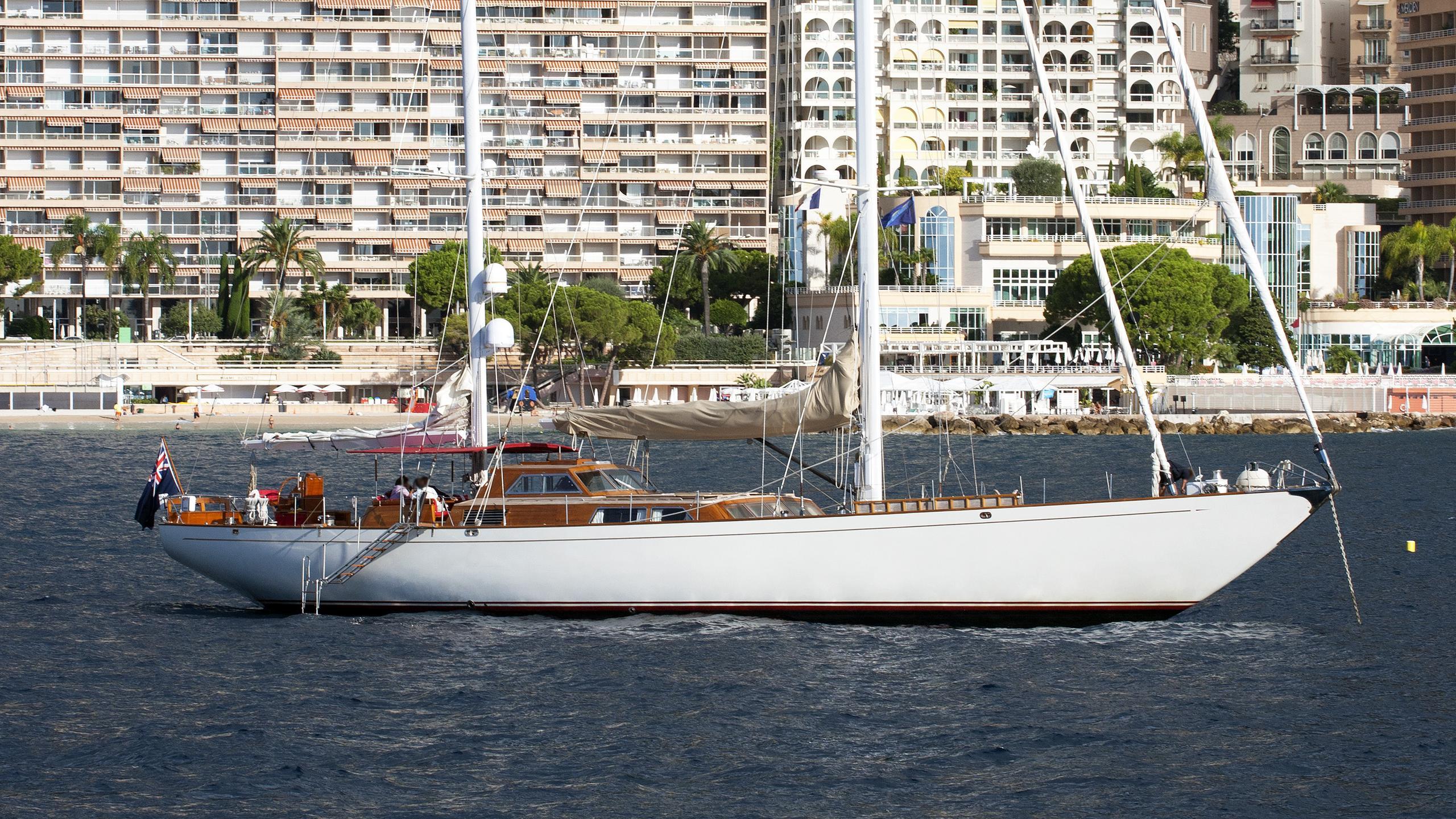 surama-sailing-yacht-beconcini-1974-32m-profile