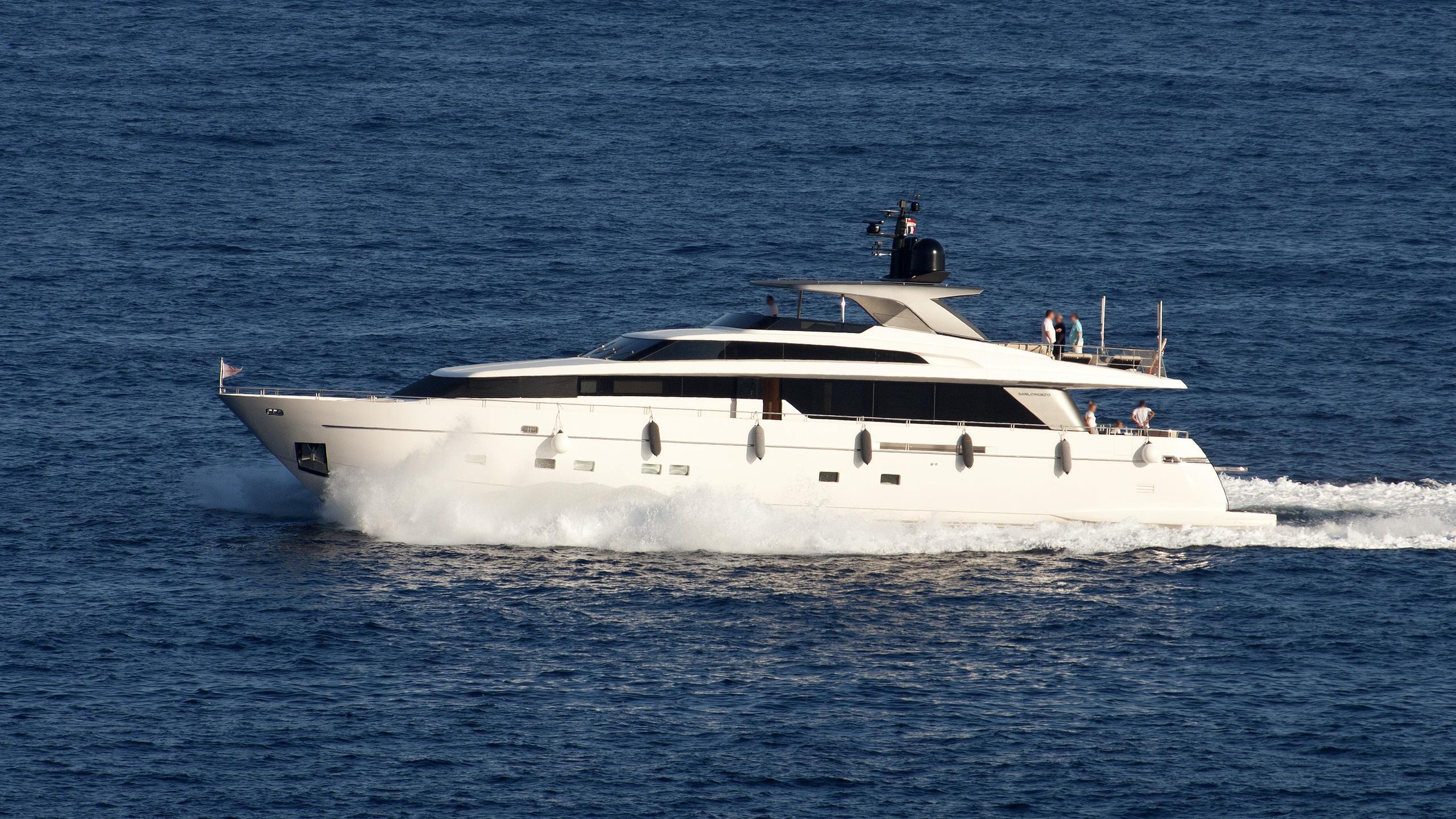 mentxu-motor-yacht-sanlorenzo-2010-32m-cruising