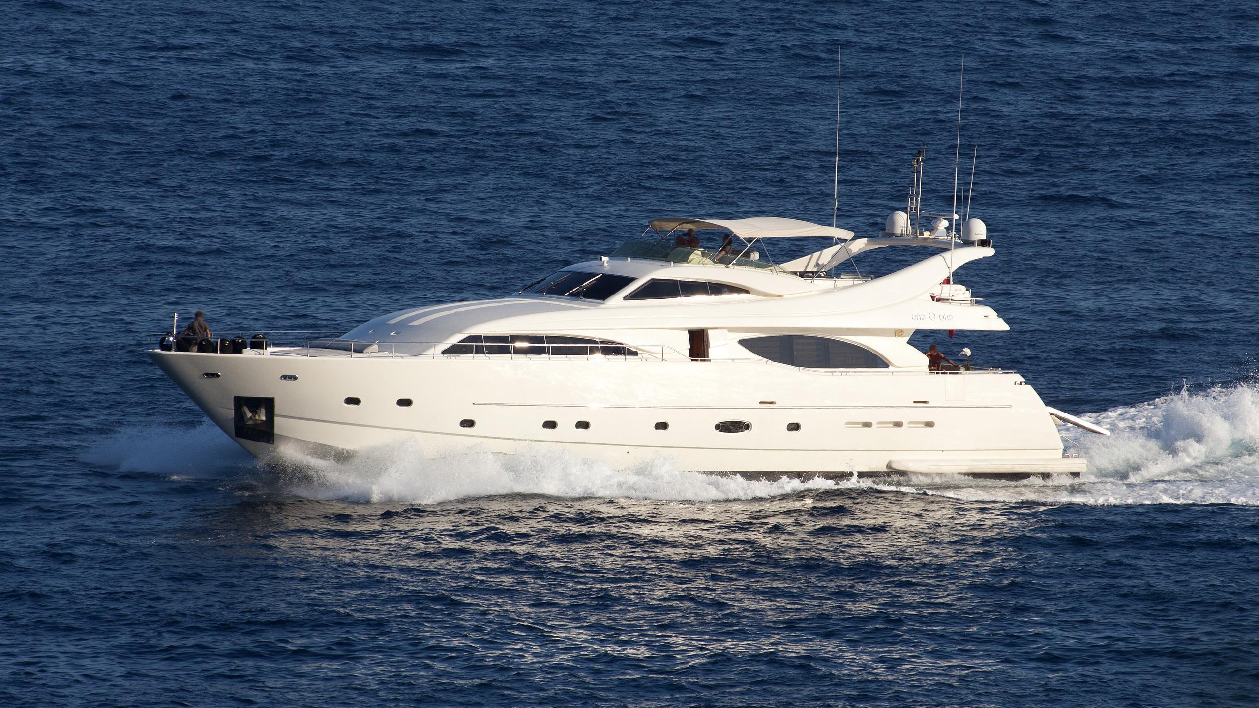 one-o-one-motor-yacht-ferretti-custom-line-94-2003-29m-cruising