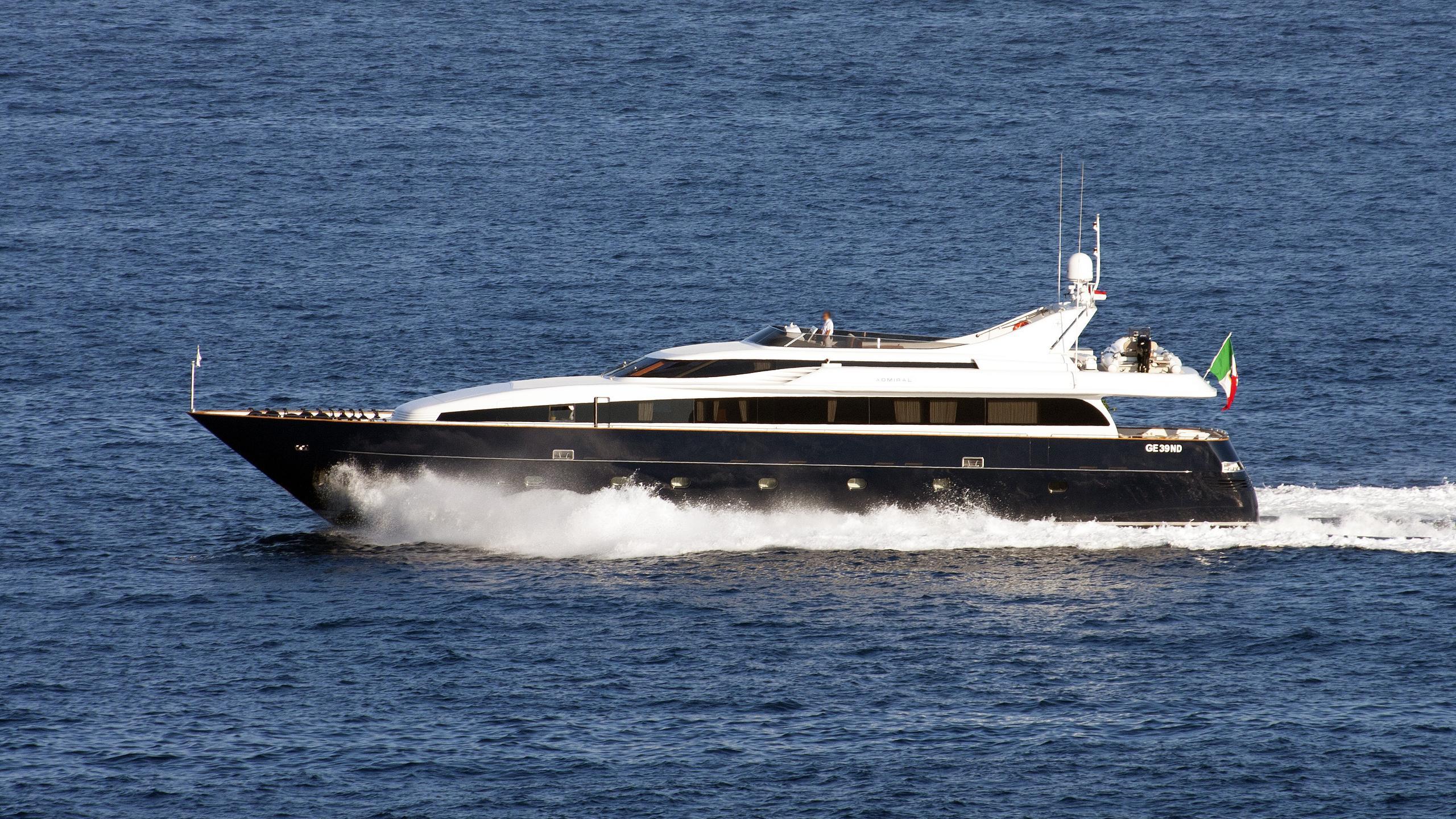 alhena-motor-yacht-admiral-italian-sea-group-33-2004-25m-cruising