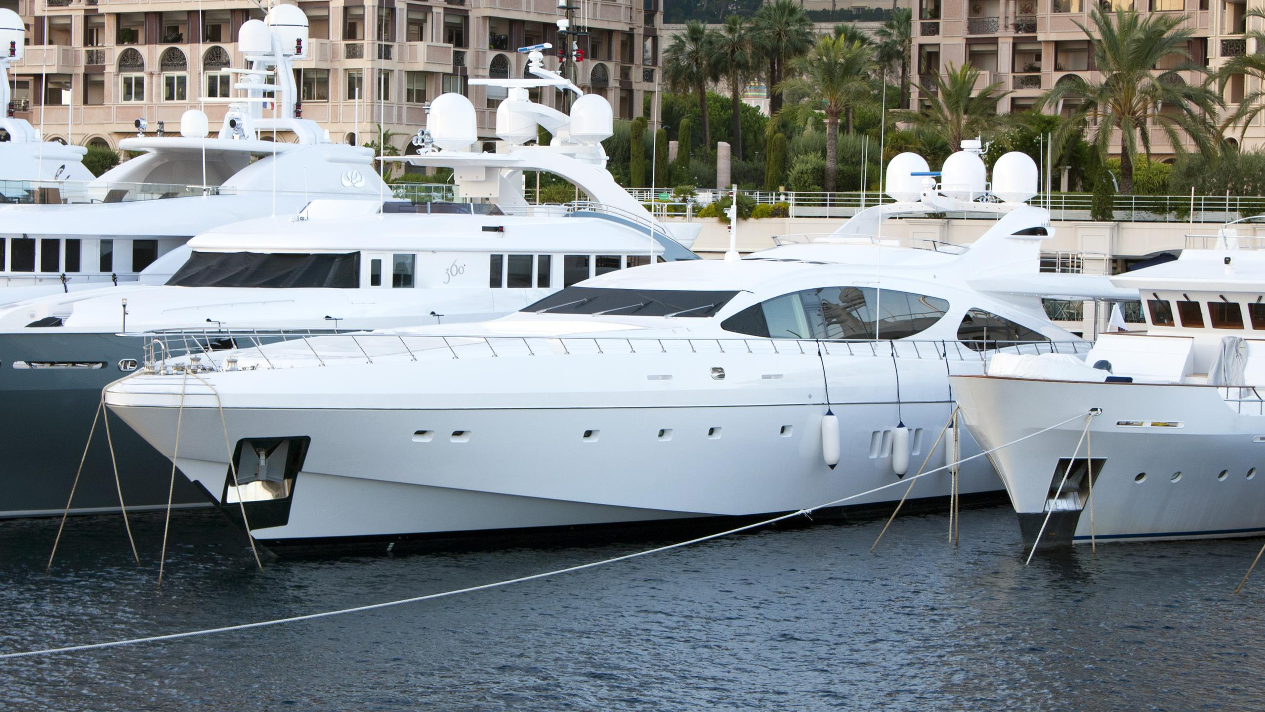 al-mirqab-iii-motor-yacht-overmarine-mangusta-165-sport-2009-50m-half-profile