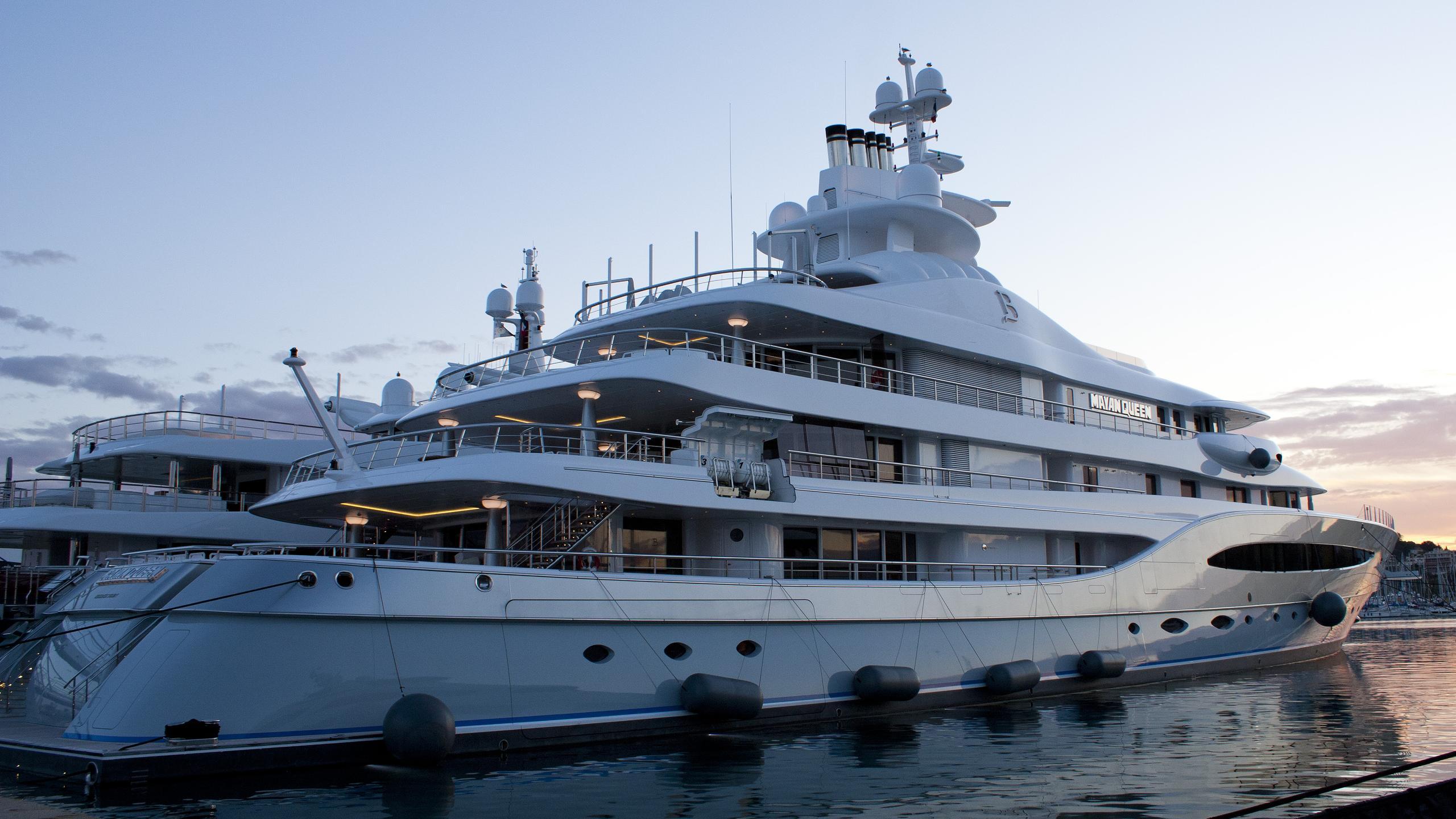 mayan-queen-iv-motor-yacht-blohm-voss-2008-93m-half-profile