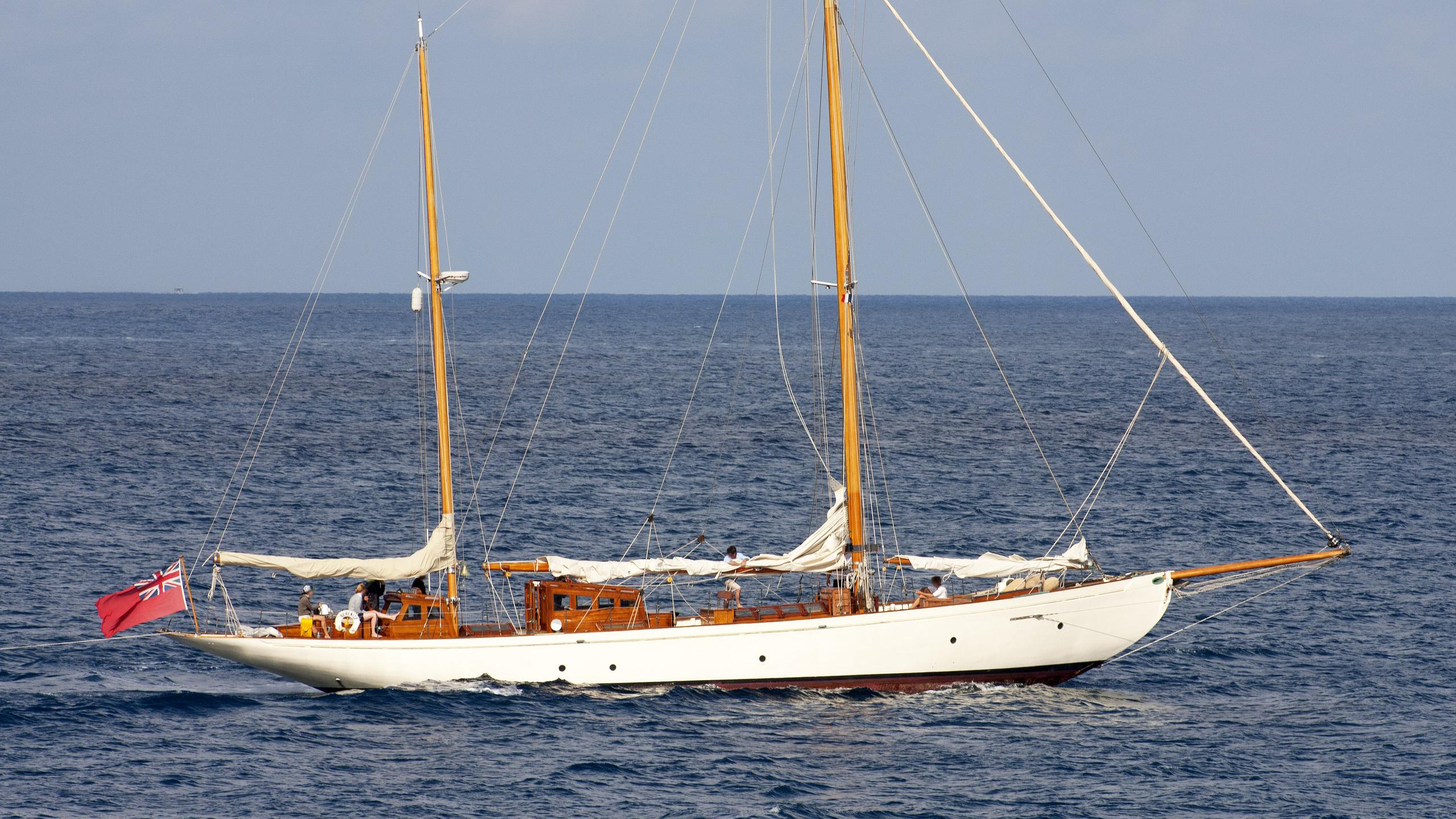 berenice-sailing-yacht-j-samuel-white-1923-28m-profile
