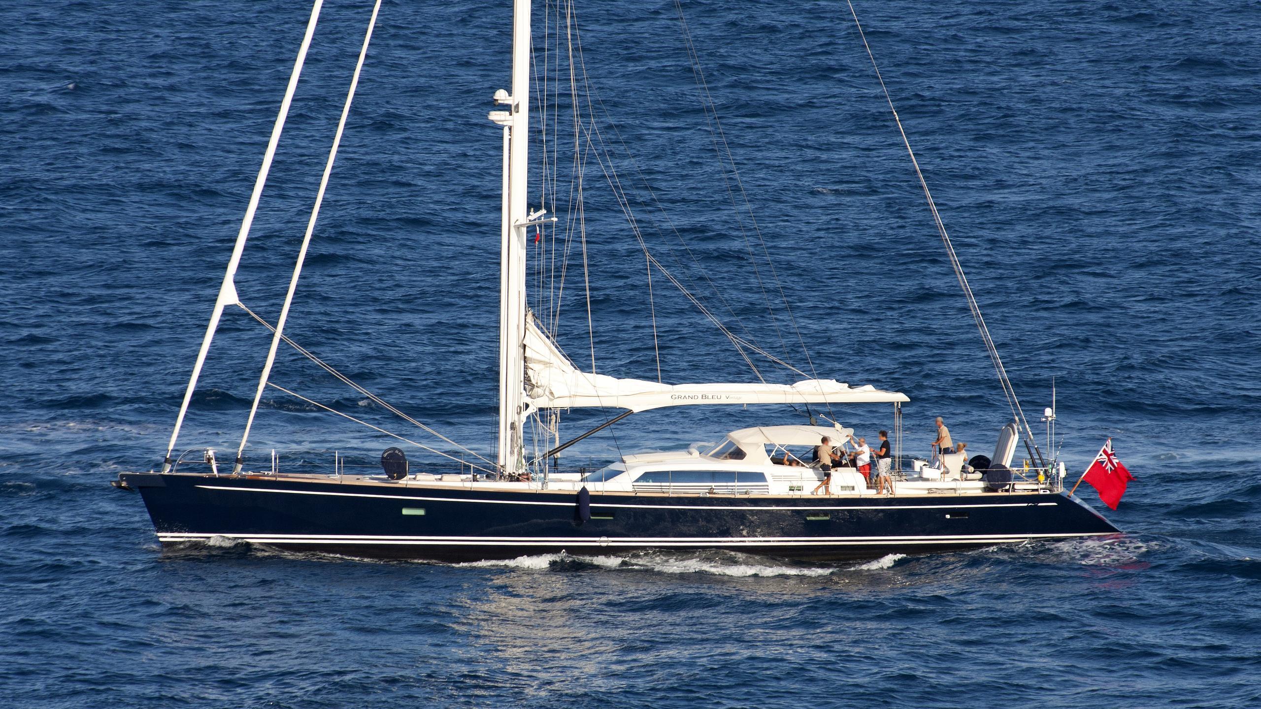 grand-bleu-sailing-yacht-vintage-cnb-2003-29m-cruising