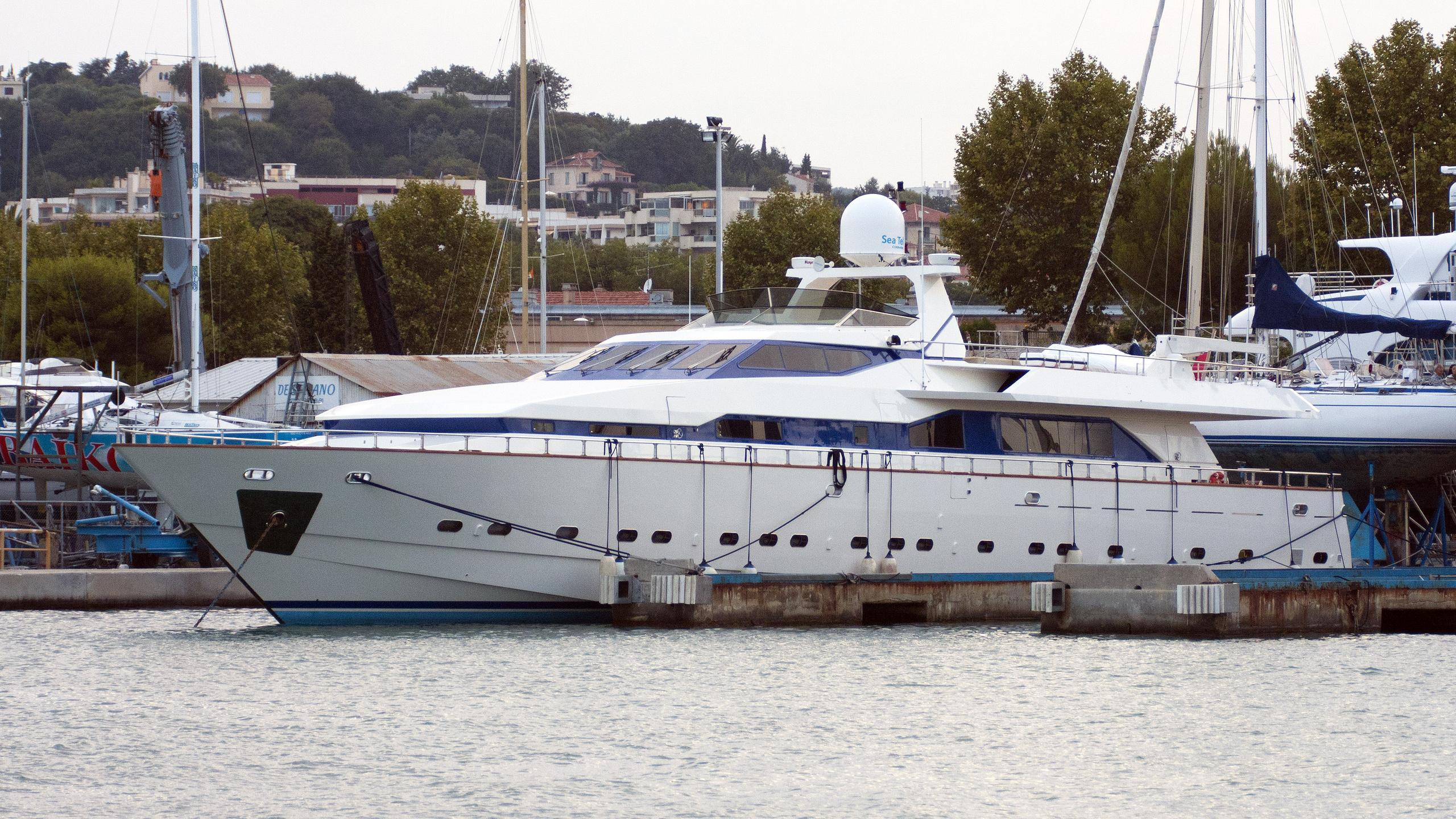 the-journey-motor-yacht-tecnomarine-t120-1989-37m-profile
