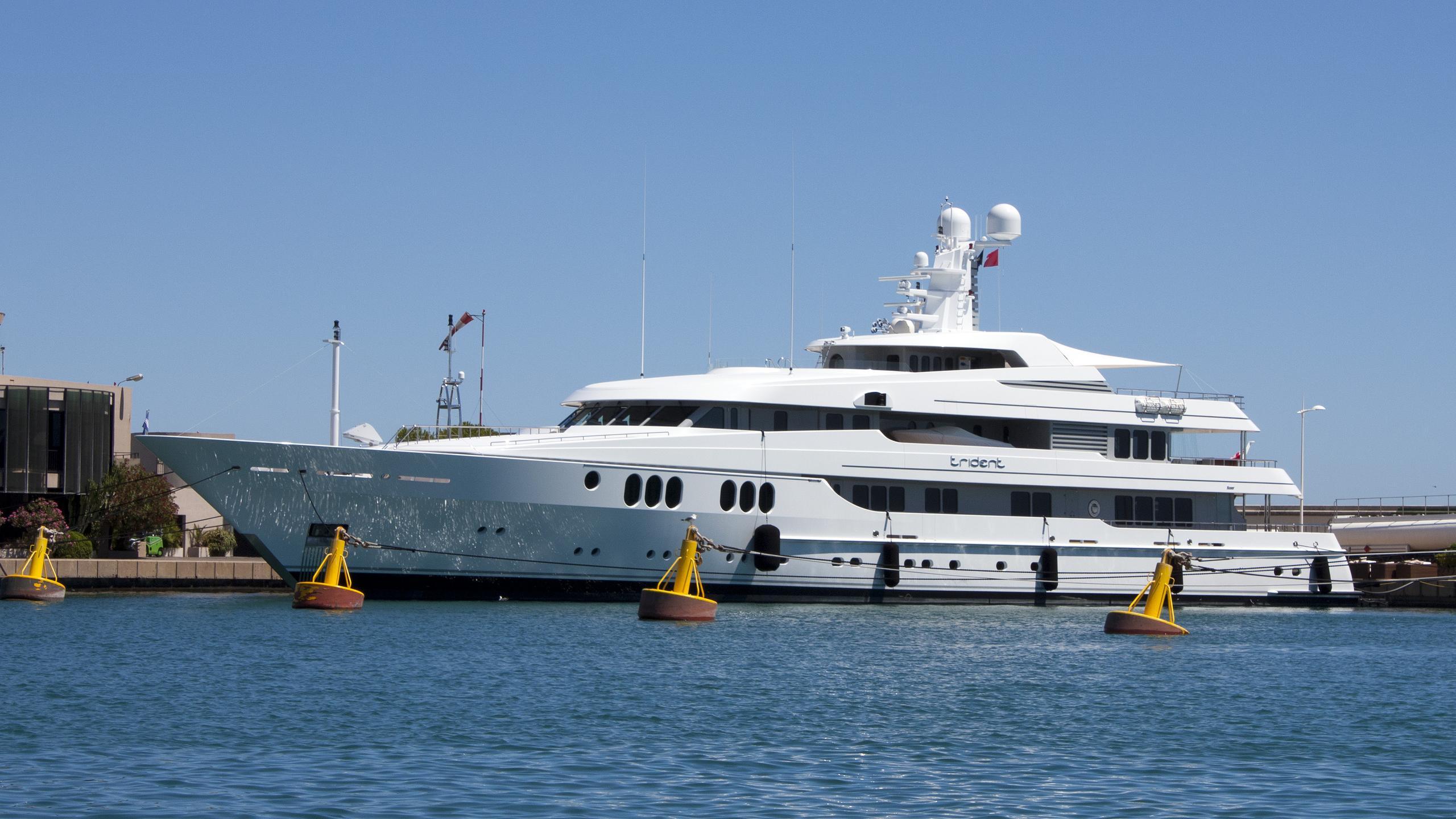 trident-motor-yacht-feadship-2009-65m-profile