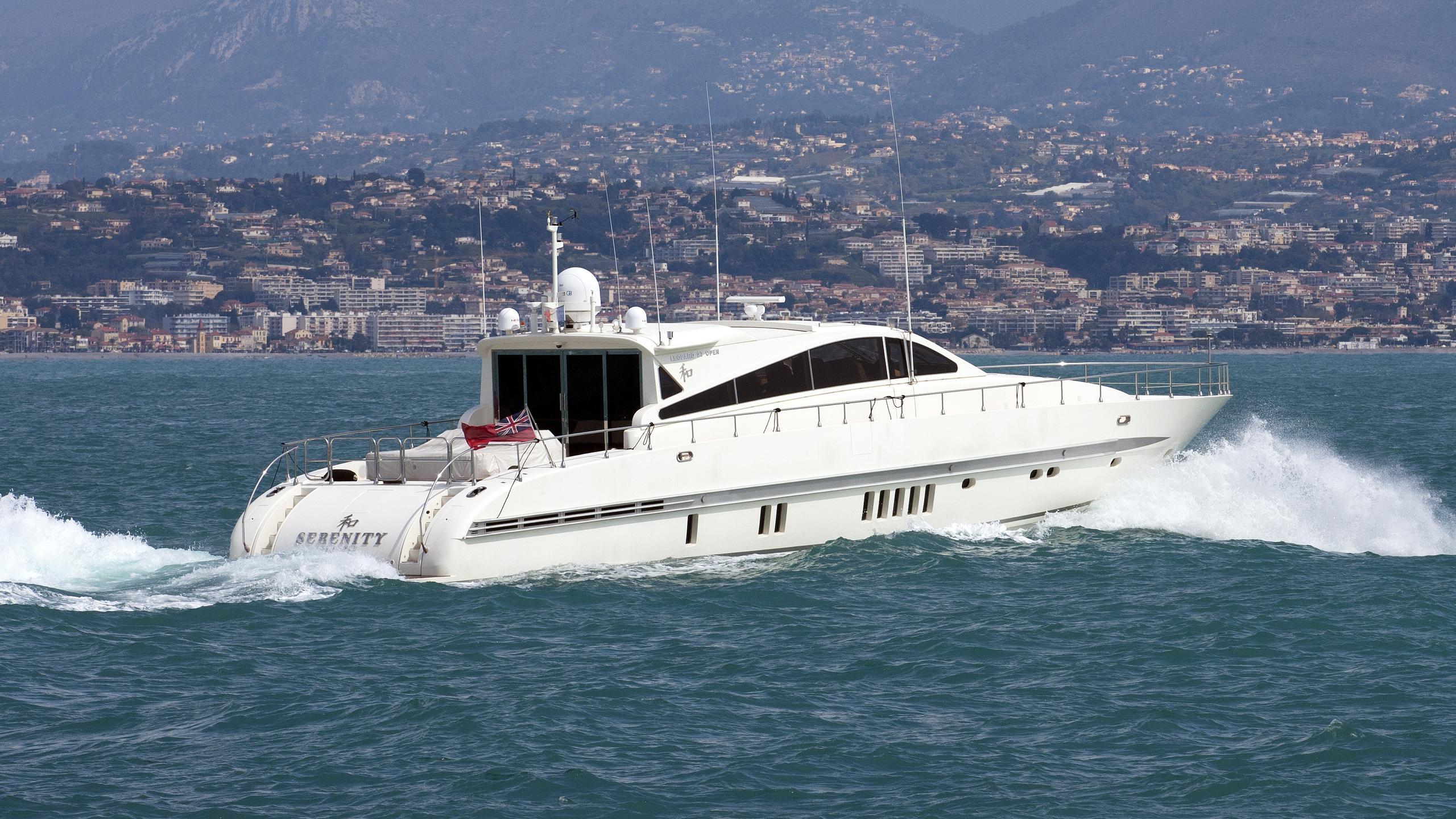 serenity-atlantic-motor-yacht-arno-leopard-27-sport-2005-27m-half-profile