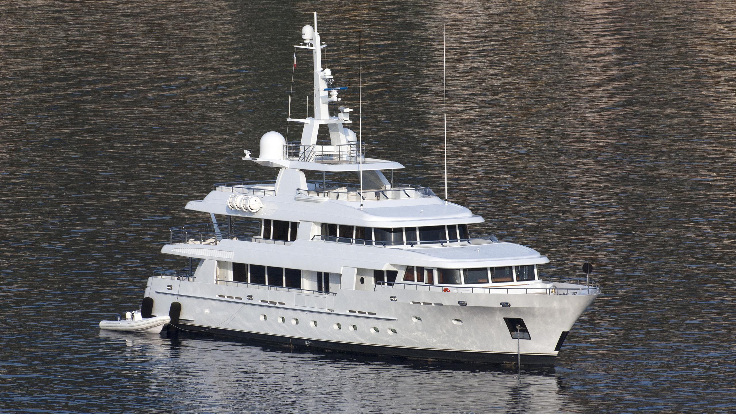 arete-motoryacht-bloemsma-van-breemen-2014-44m-aerial