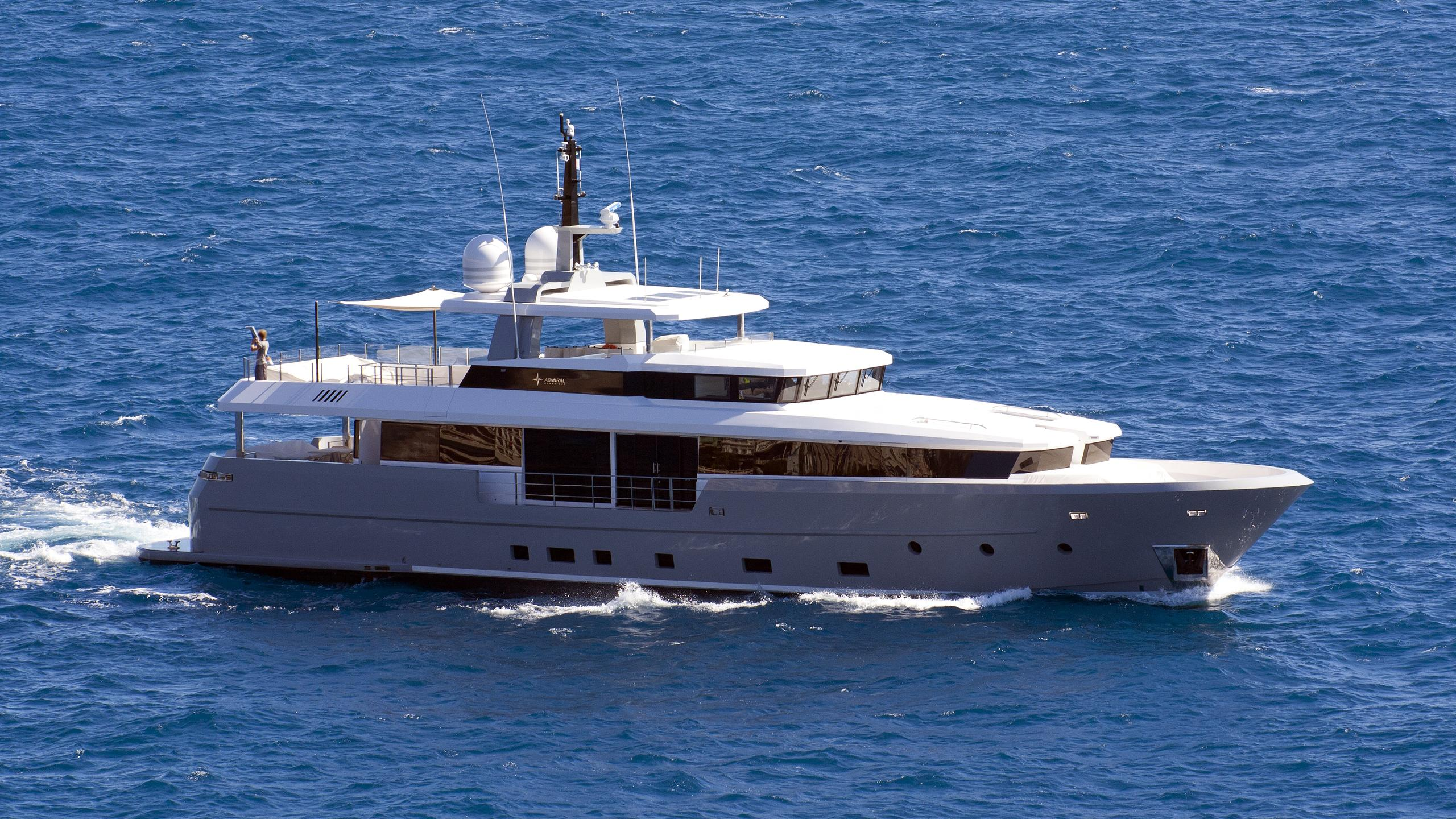foam-motoryacht-admiral-italian-yacht-group-2014-35m-running