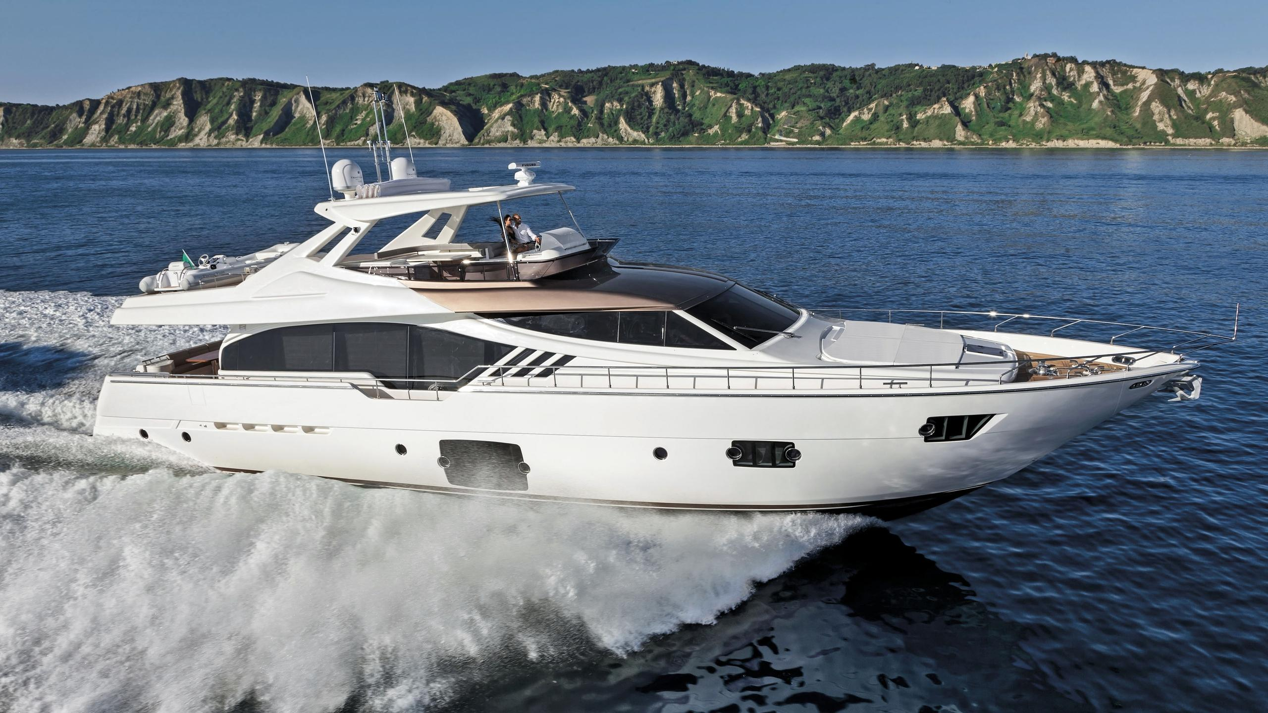 ferretti-870-03-motor-yacht-ferretti-2012-27m-cruising