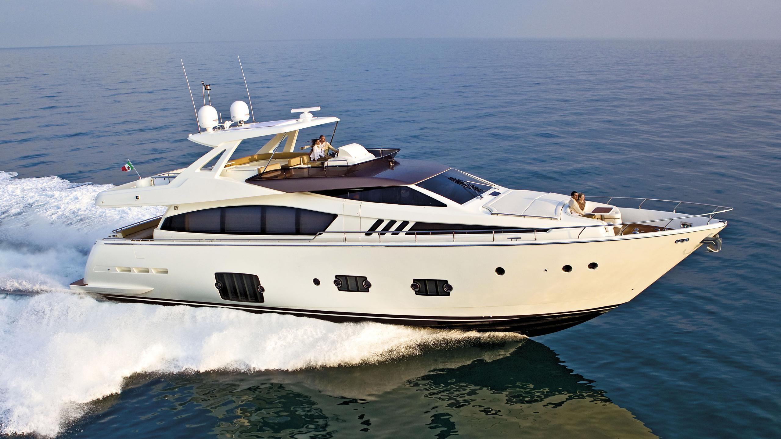 ferretti-800-10-motor-yacht-ferretti-2014-25m-cruising