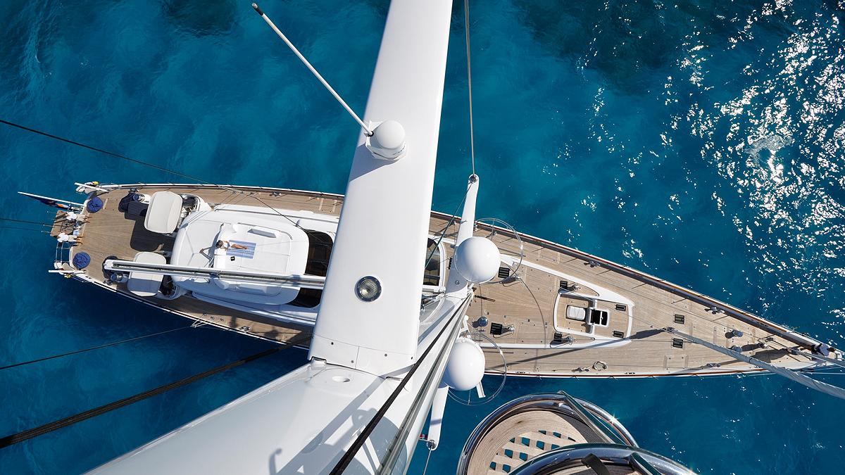 Hyperion sailing yacht: exterior