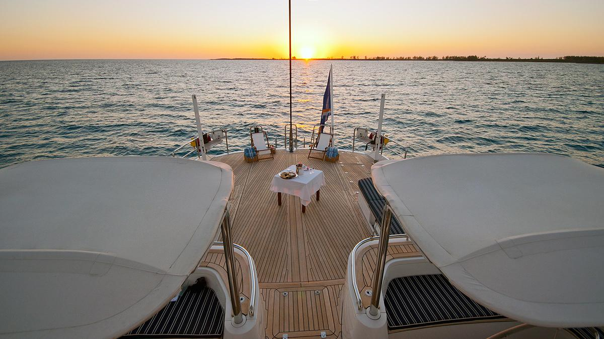 Hyperion sailing yacht: deck