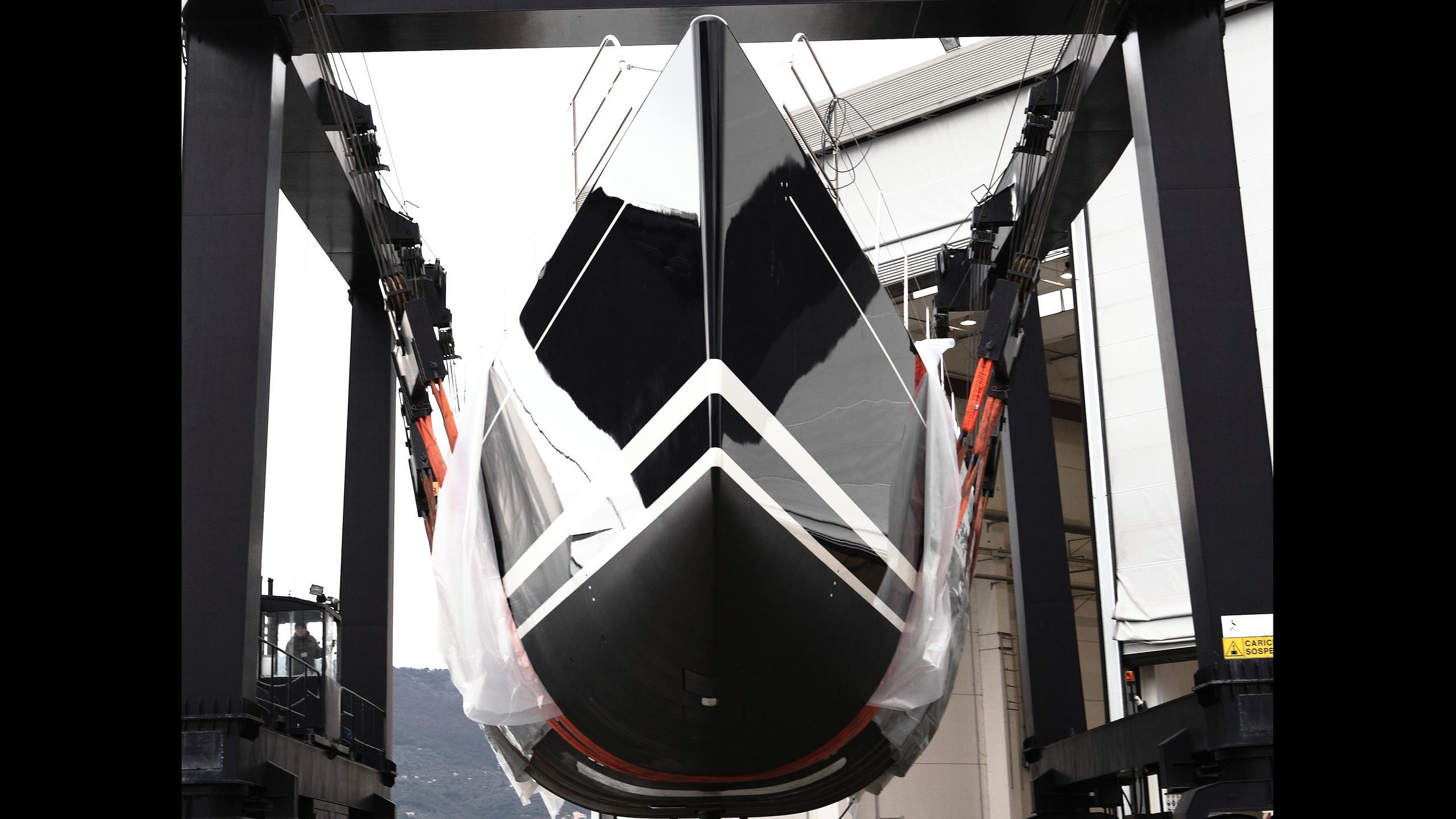 dahlak-sailing-yacht-perini-navi-2016-38m-bow-view