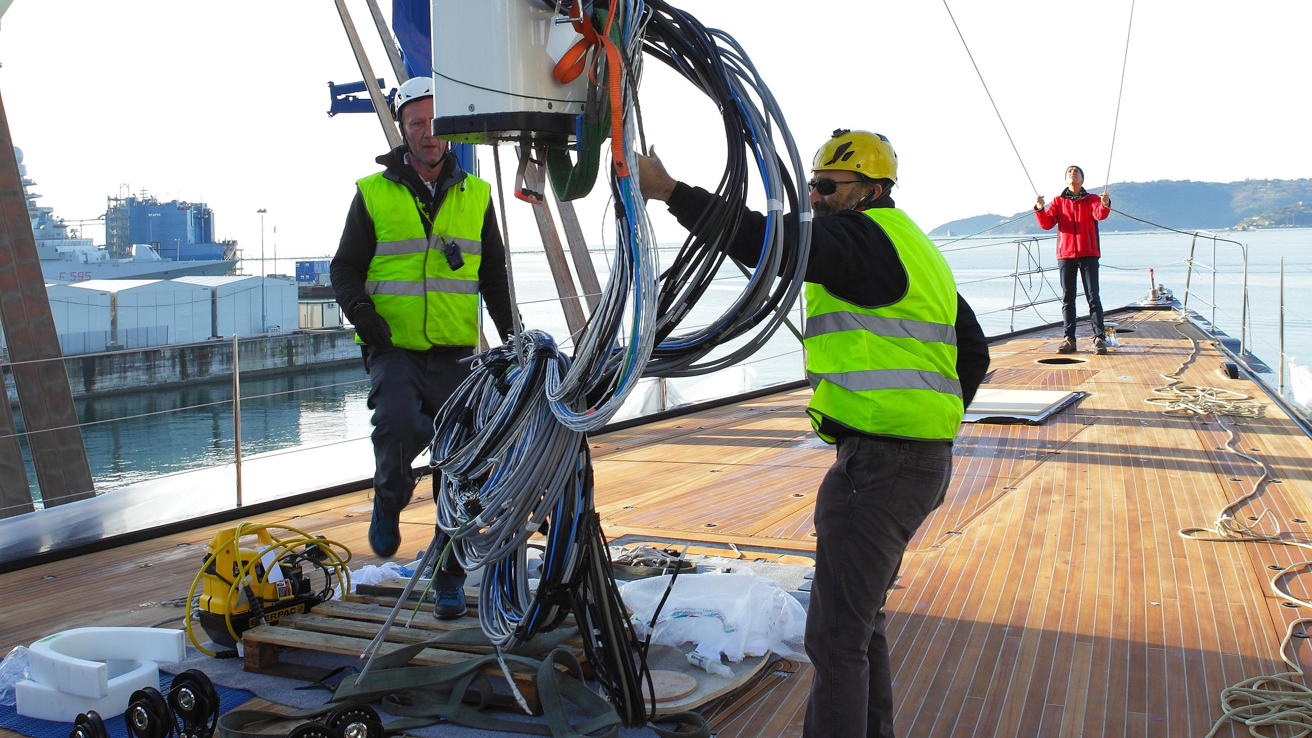 dahlak-sailing-yacht-perini-navi-2016-38m-mast