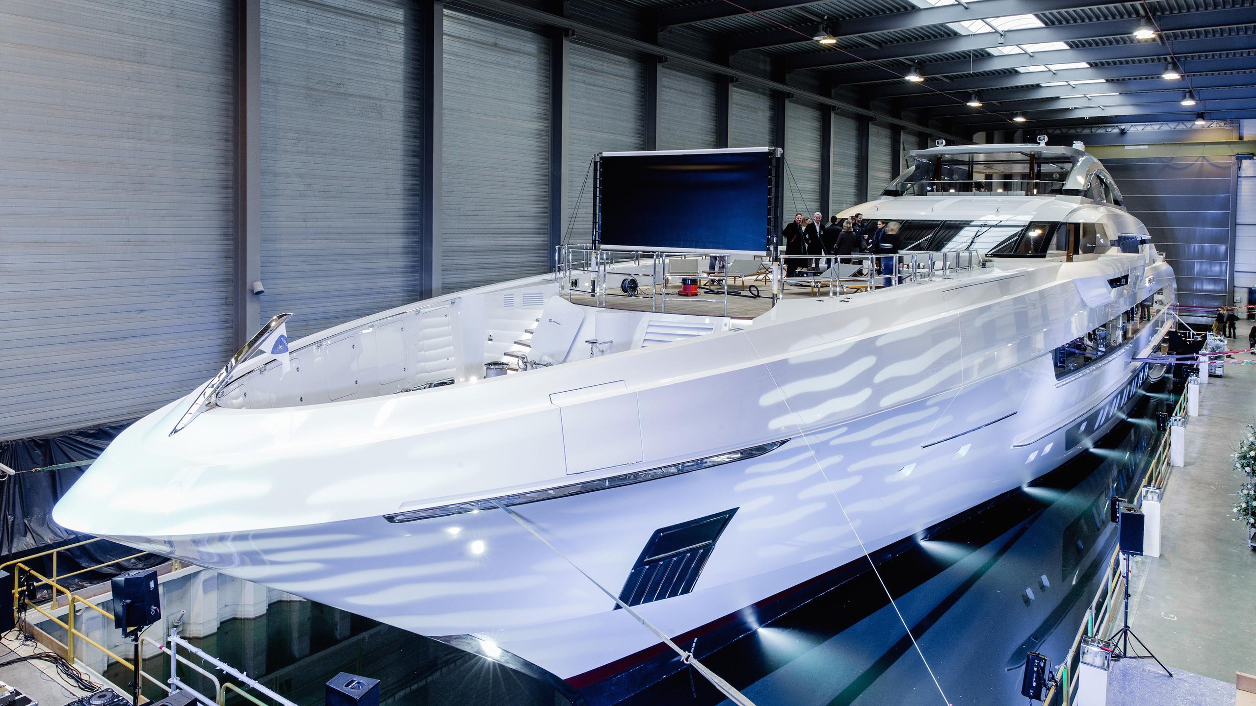 galactica-super-nova-motoryacht-heesen-yachts-2016-70m-launch-party