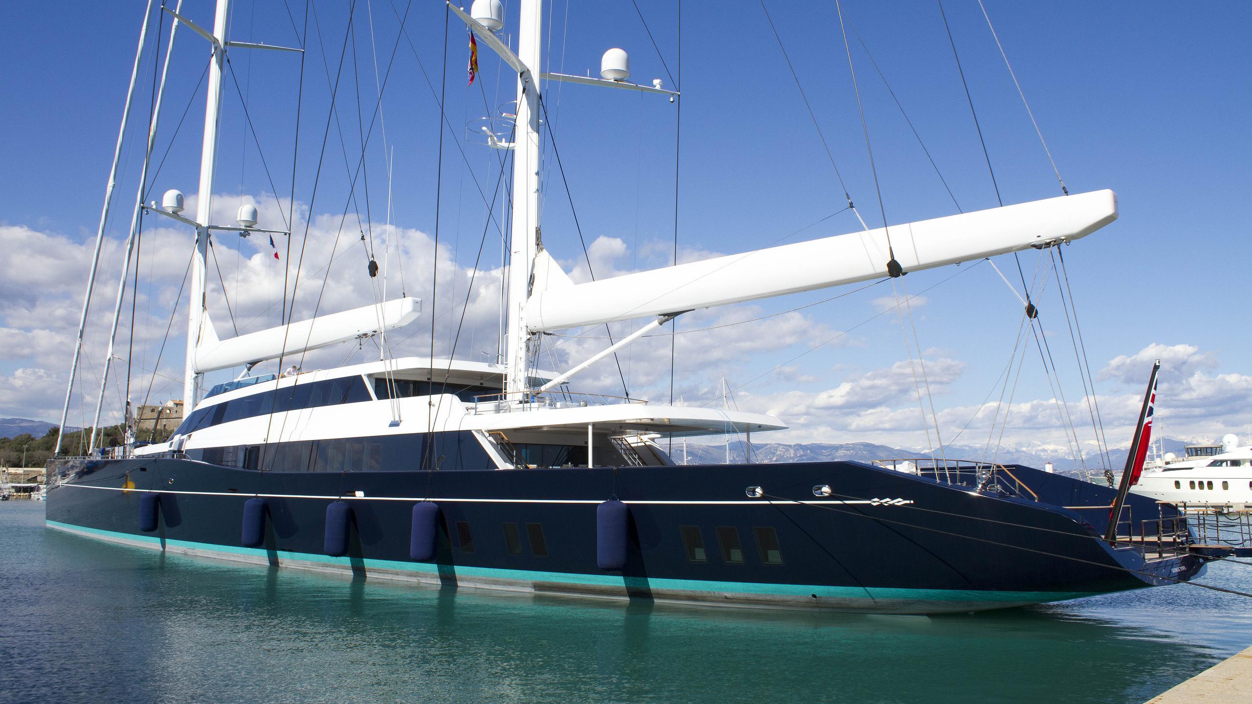 aquijo-sailing-yacht-oceanco-vitters-2016-85m-stern-view