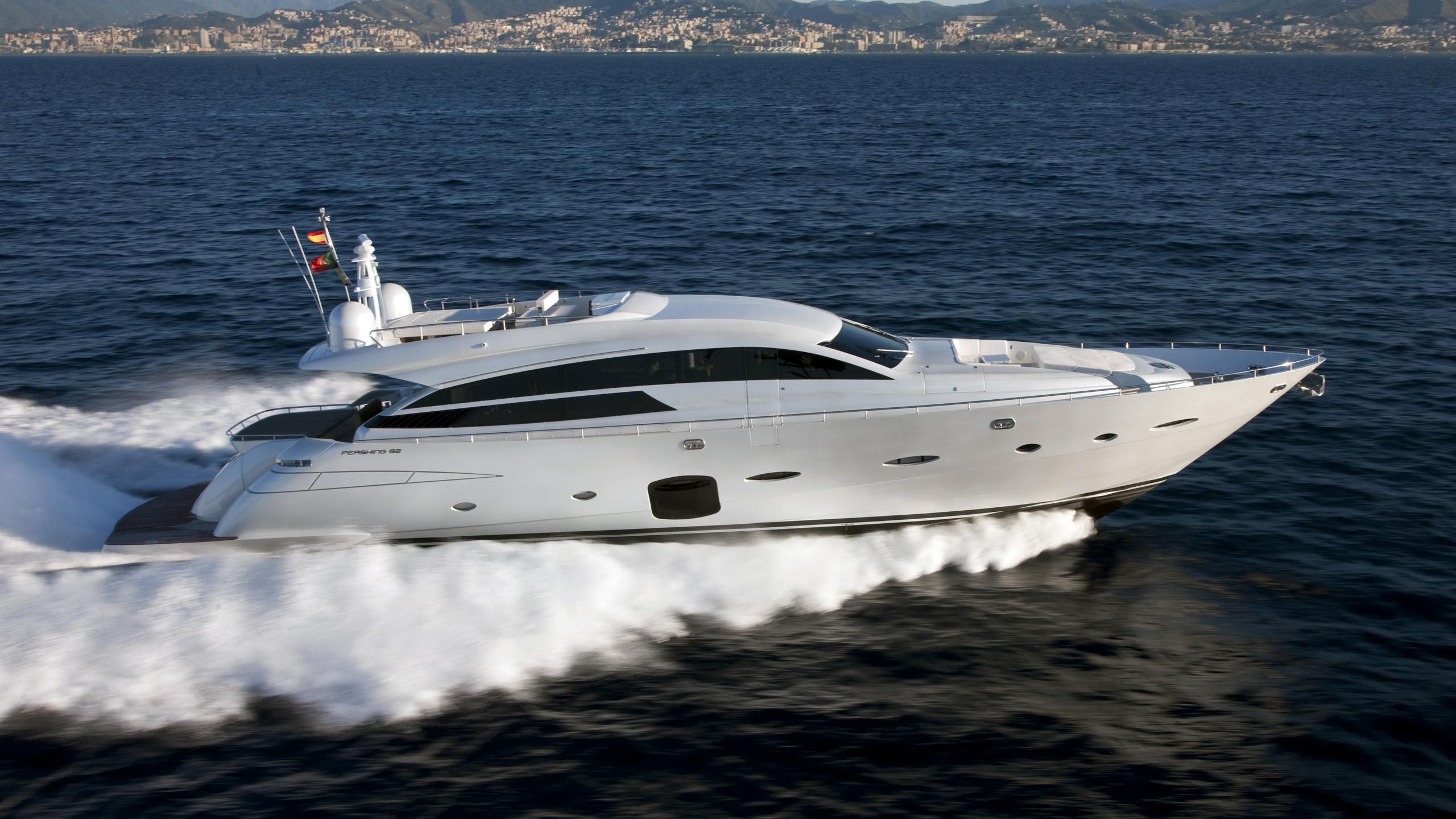 cavallino-motor-yacht-pershing-92-2011-28m-cruising