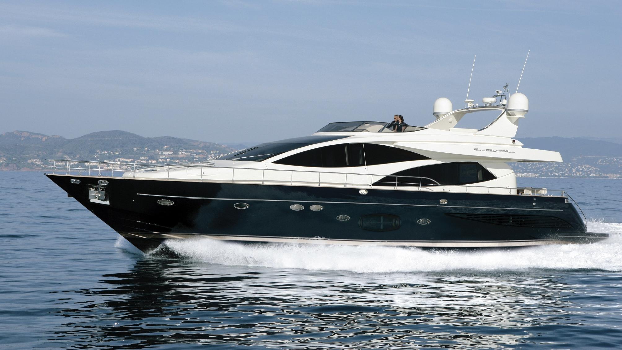 riva-opera-85-15-motor-yacht-2007-26m-cruising