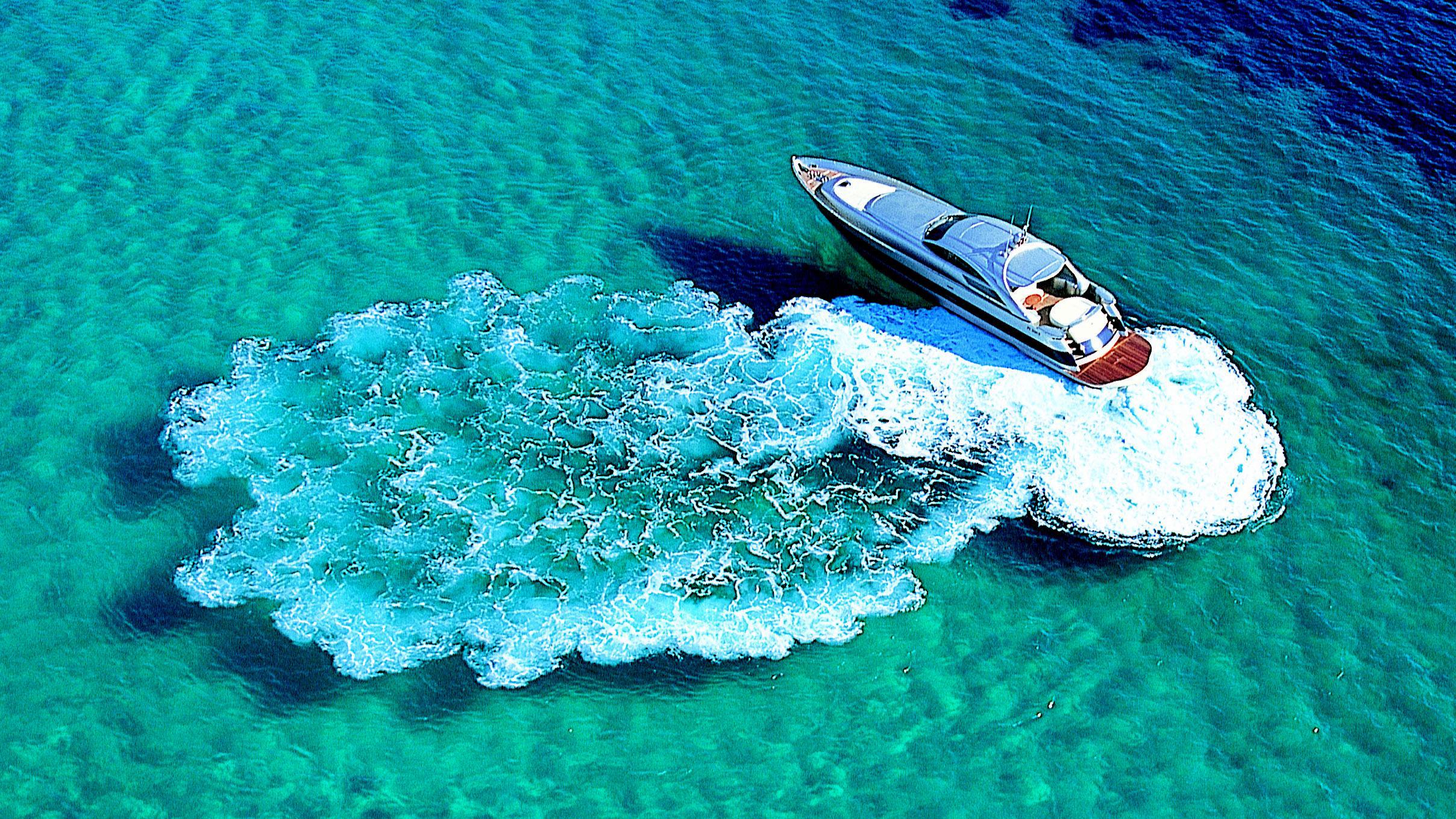 anouschka-en-ronny-8-motor-yacht-pershing-88-2004-27m-aerial