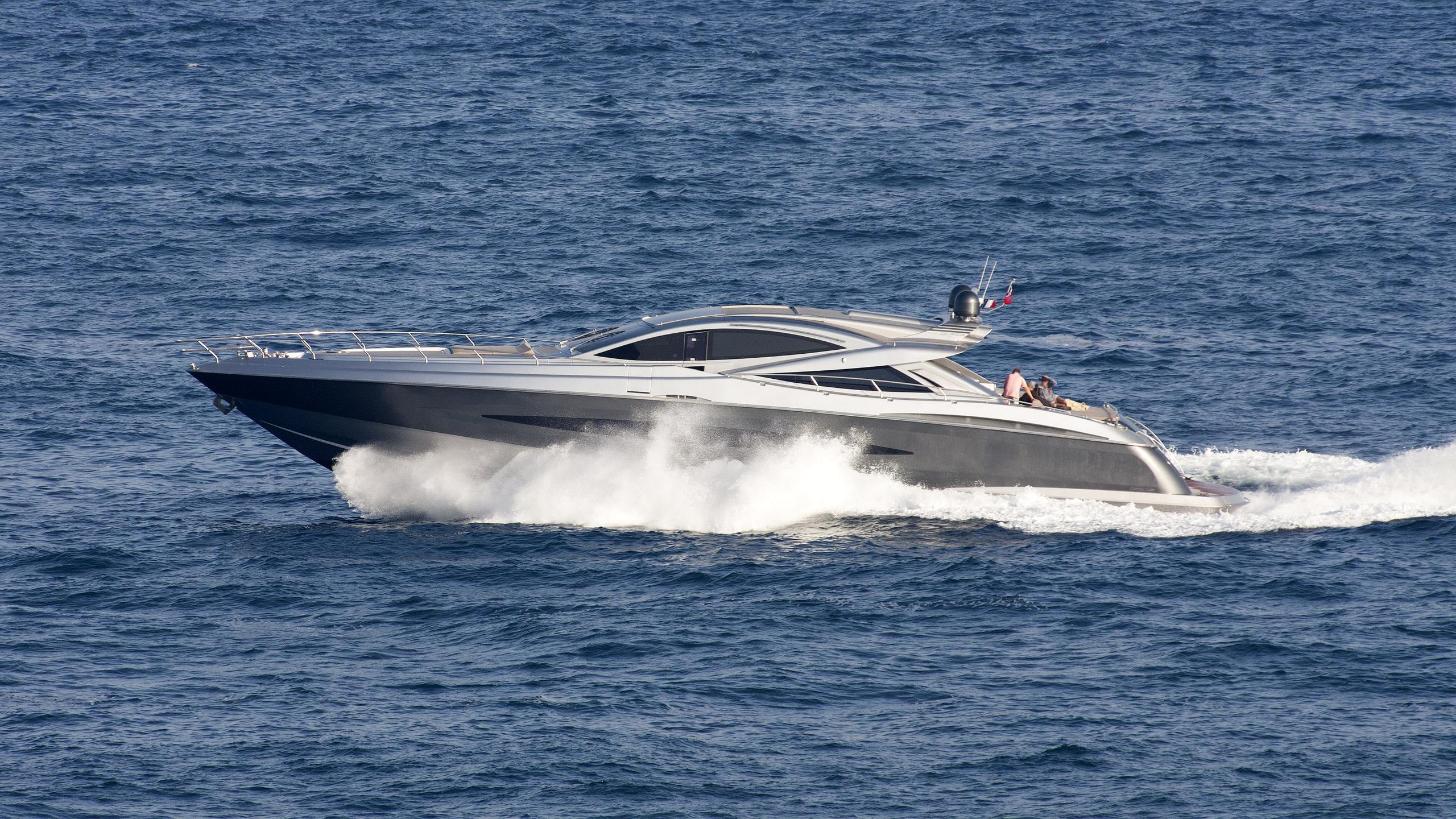 j-and-li-motoryacht-canados-90-open-2008-27m-profile-running