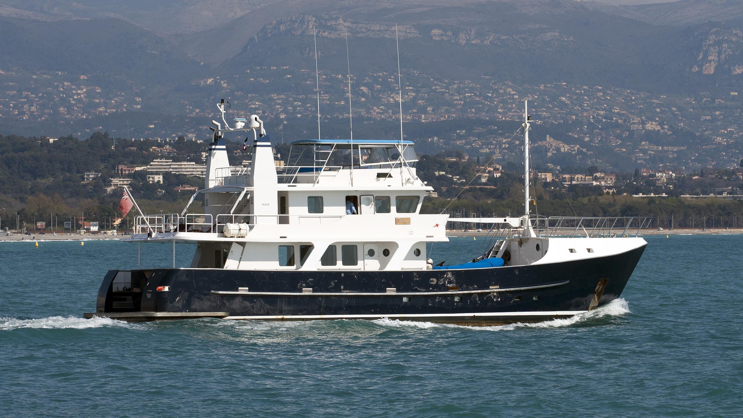 beleza-motoryacht-inace-explorer-80-1999-26m-profile-running