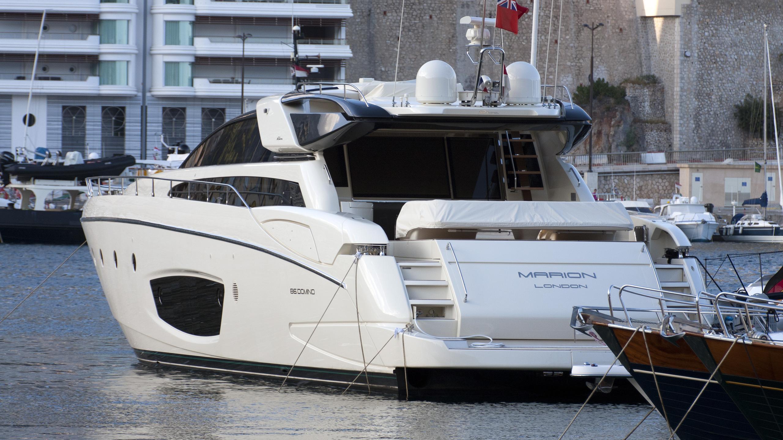 marion-motoryacht-riva-domino-86-2010-26m-stern