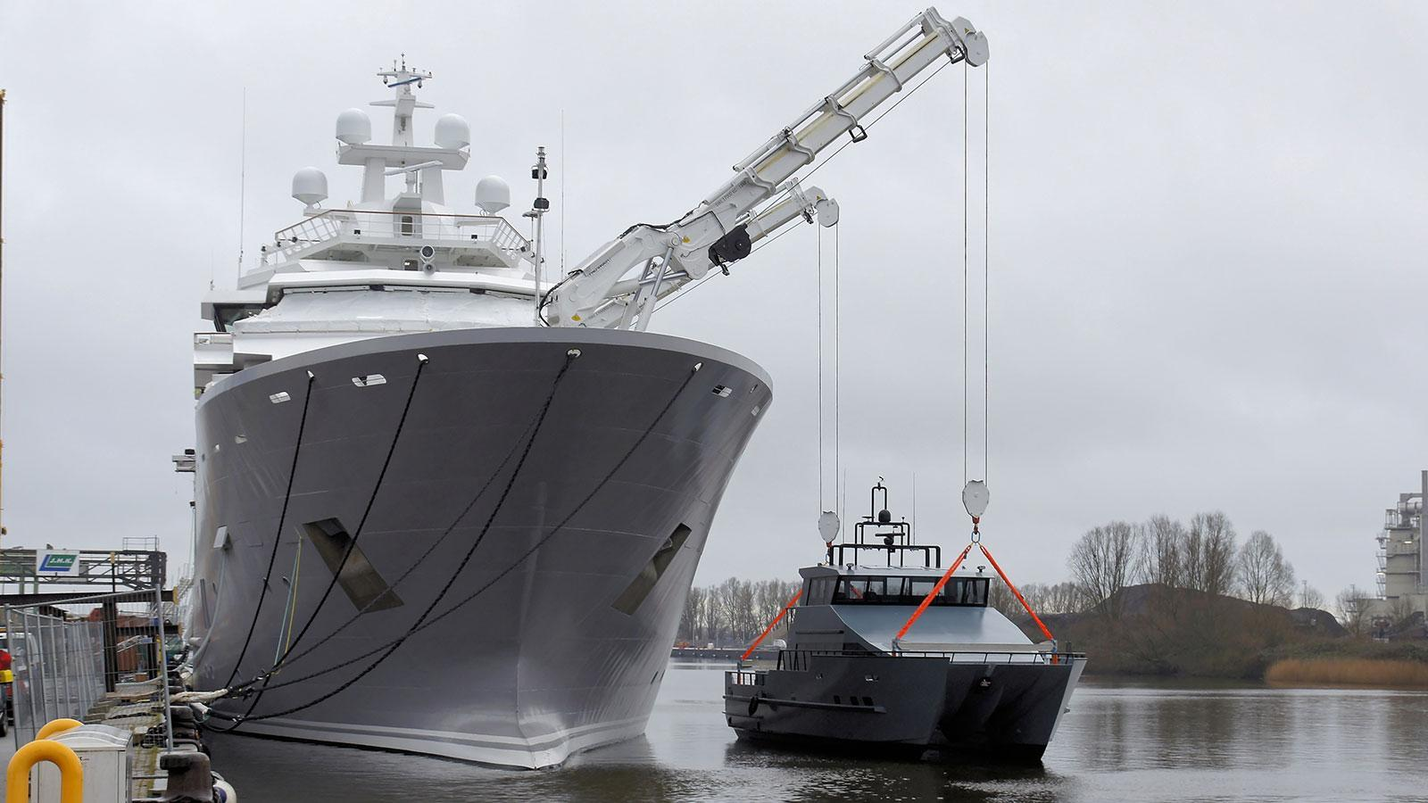 andromeda-ulysses-explorer-yacht-kleven-2015-107m-wharf