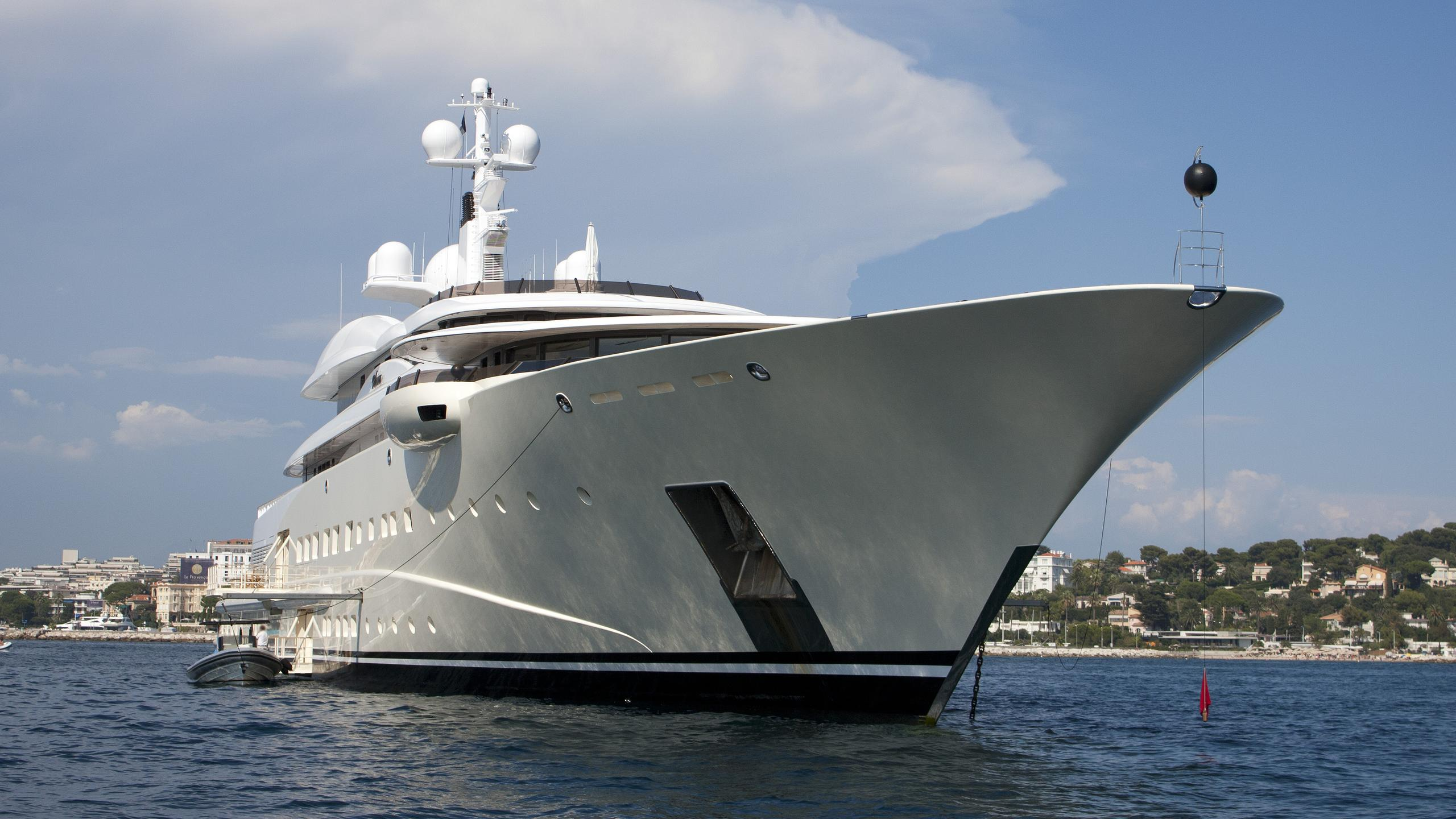 pelorus-motor-yacht-lurssen-2003-114m-half-profile