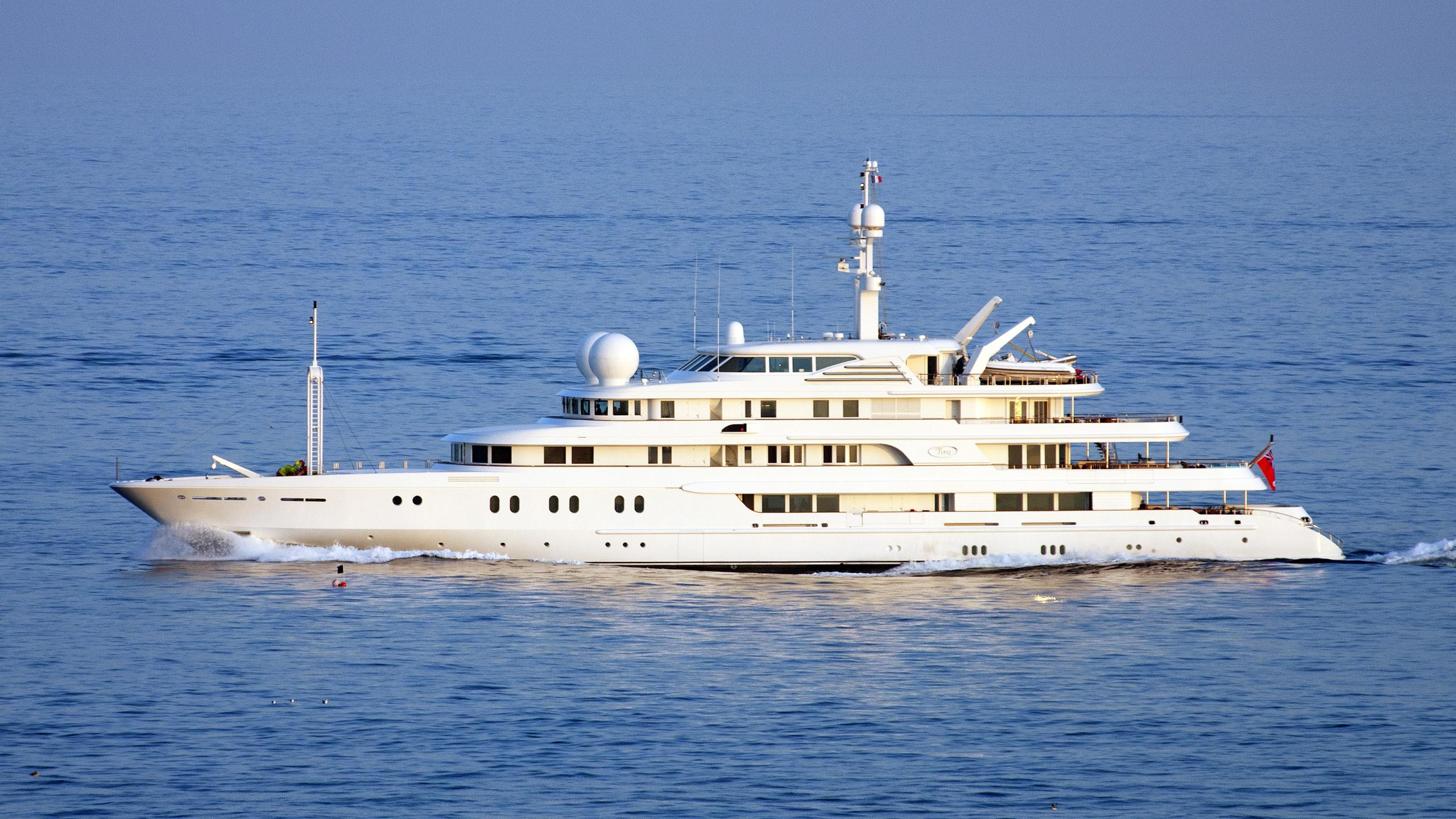 tueq-motor-yacht-Van-Der-Giessen-De-Noord-2002-78m-cruising