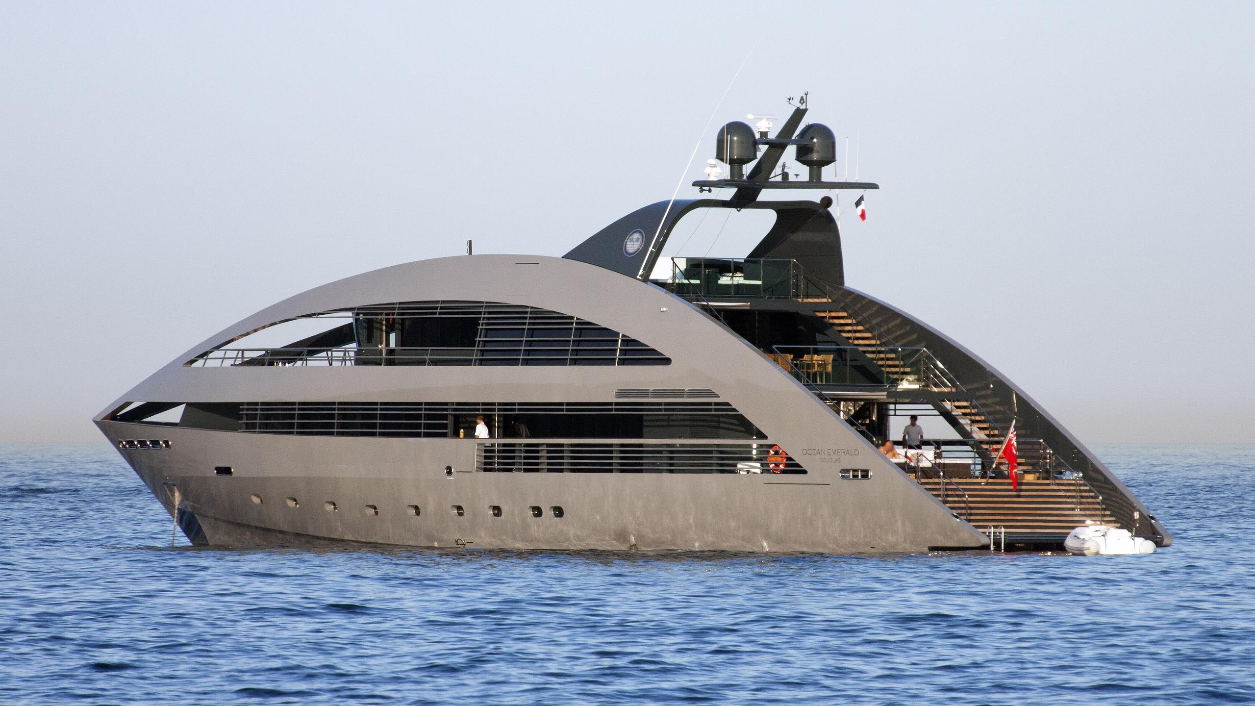 ocean-emerald-motor-yacht-rodriquez-signature-40-2009-41m-half-profile