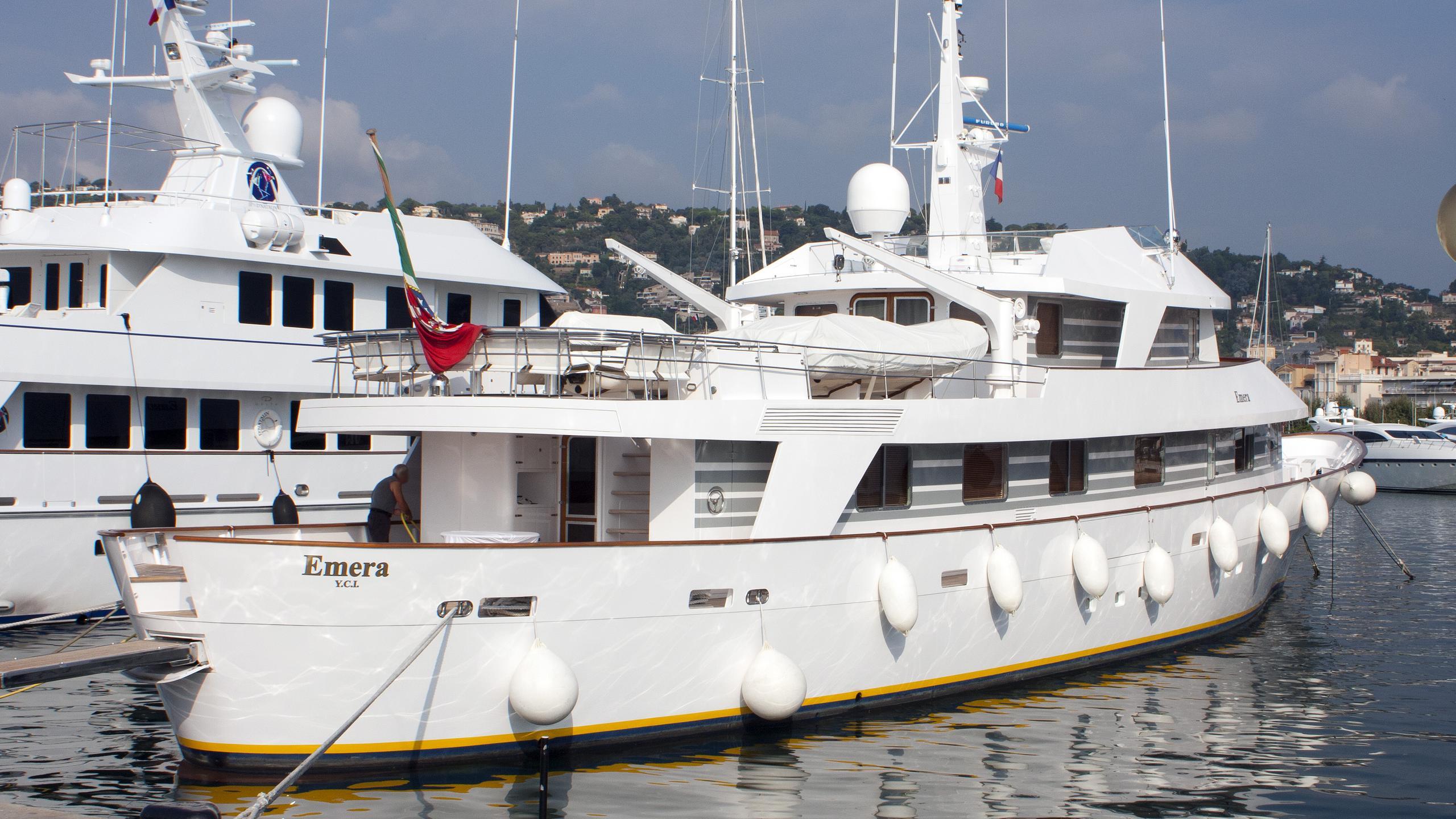 emera-motor-yacht-camper-nicholsons-1974-40m-profile
