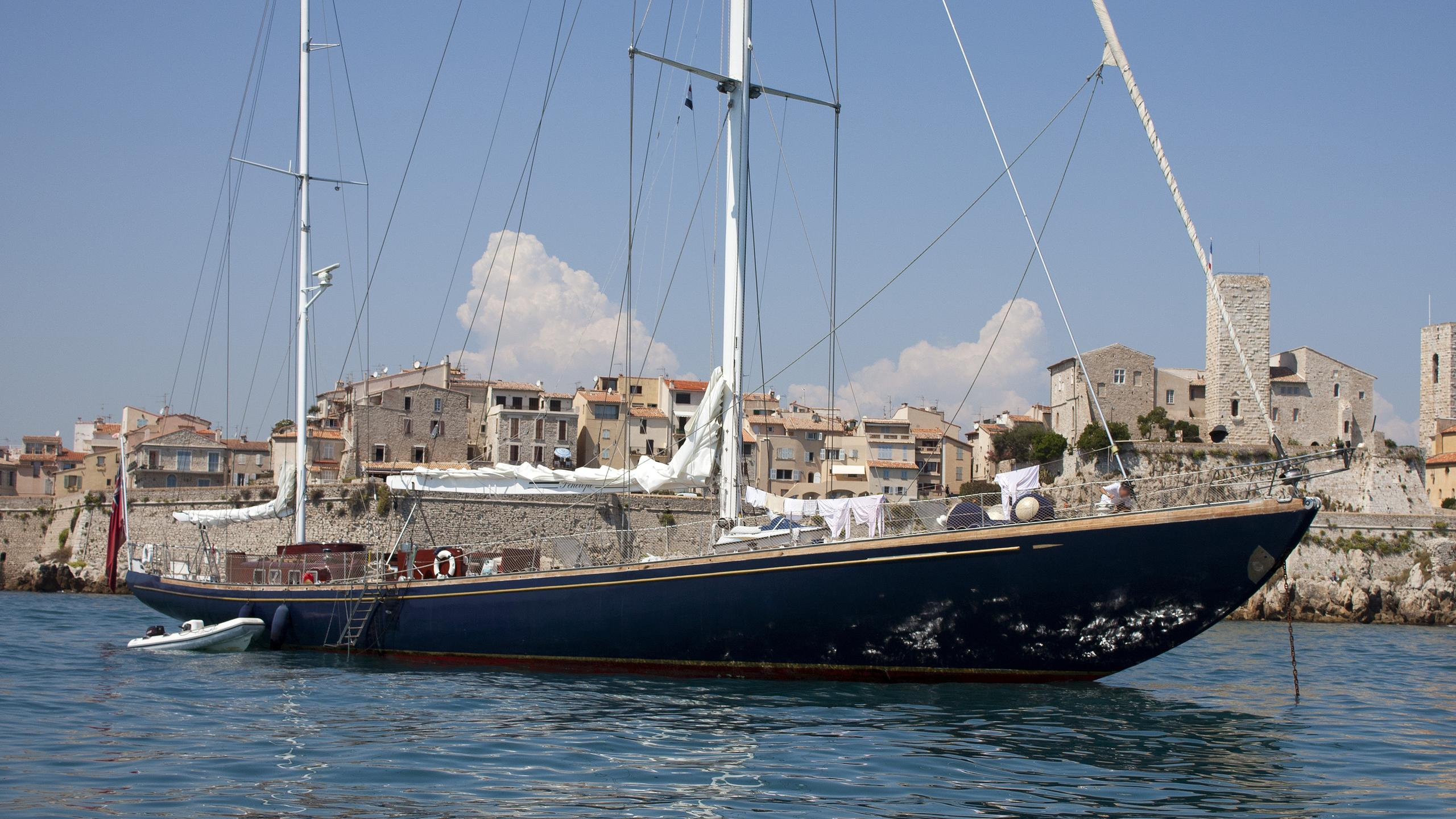 penelope-sailing-yacht-perriere-1968-39m-profile