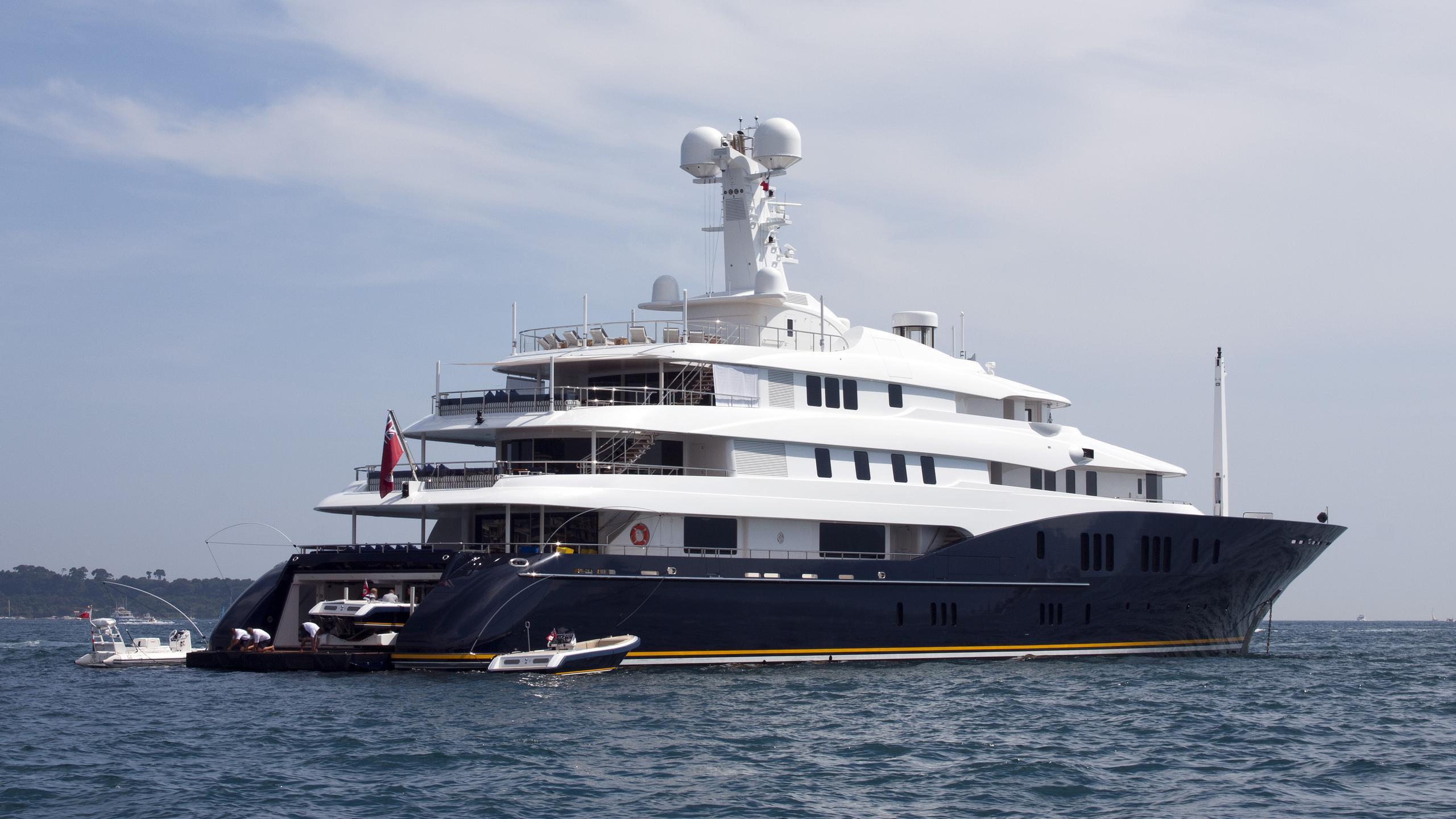 c2-motor-yacht-half-profile-abeking-rasmussen-2008-78m-half-profile-back