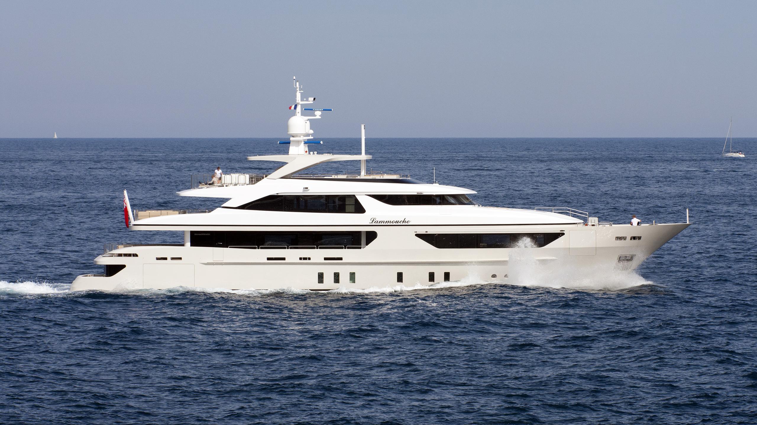 lammouche-motor-yacht-sanlorenzo-2010-44m-cruising