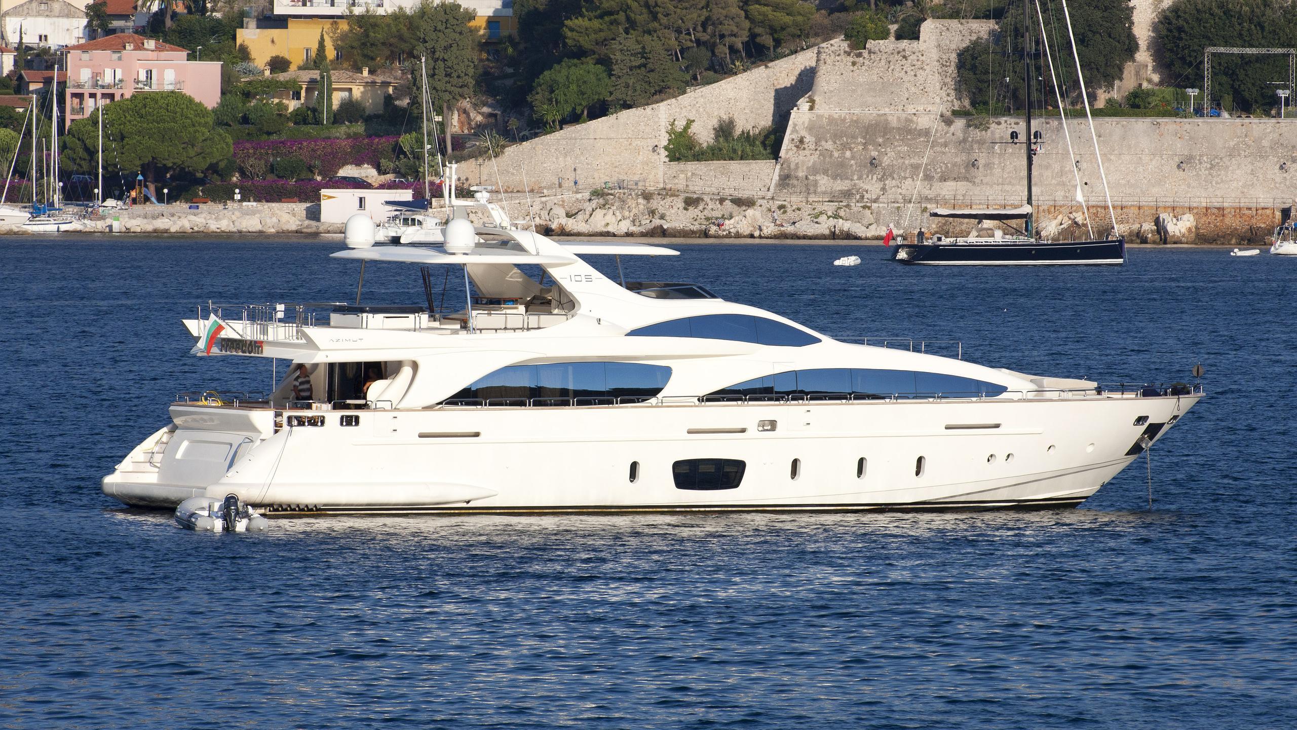 freedom-motor-yacht-azimut-105-2007-31m-profile