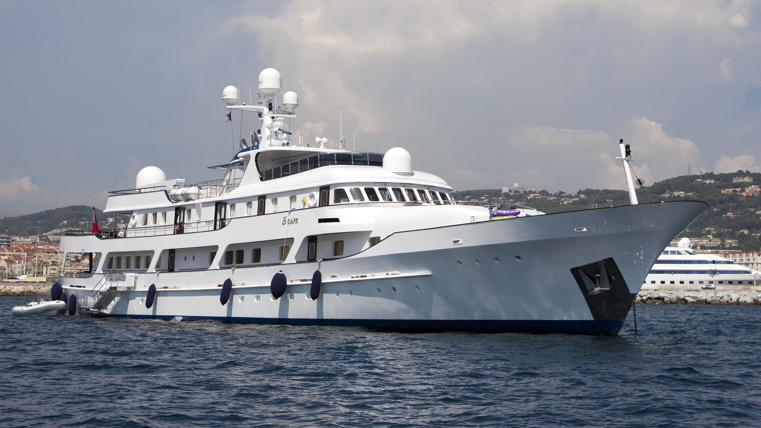 meserret-ii-motor-yacht-cammenga-1978-57m-half-profile