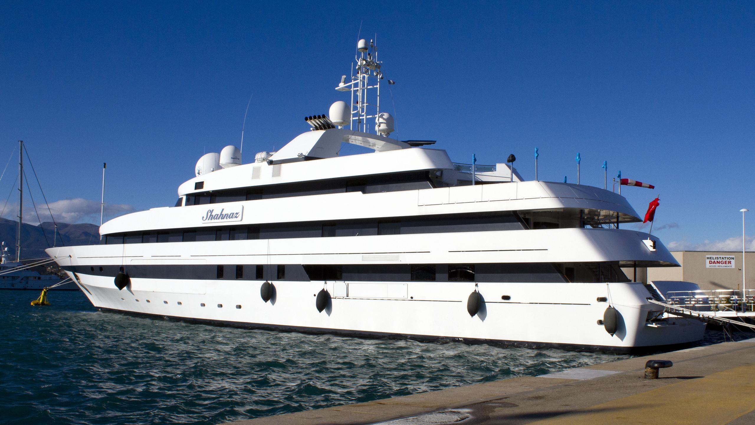 shahnaz-motor-yacht-nuovi-ligori-1991-63m-rear-profile
