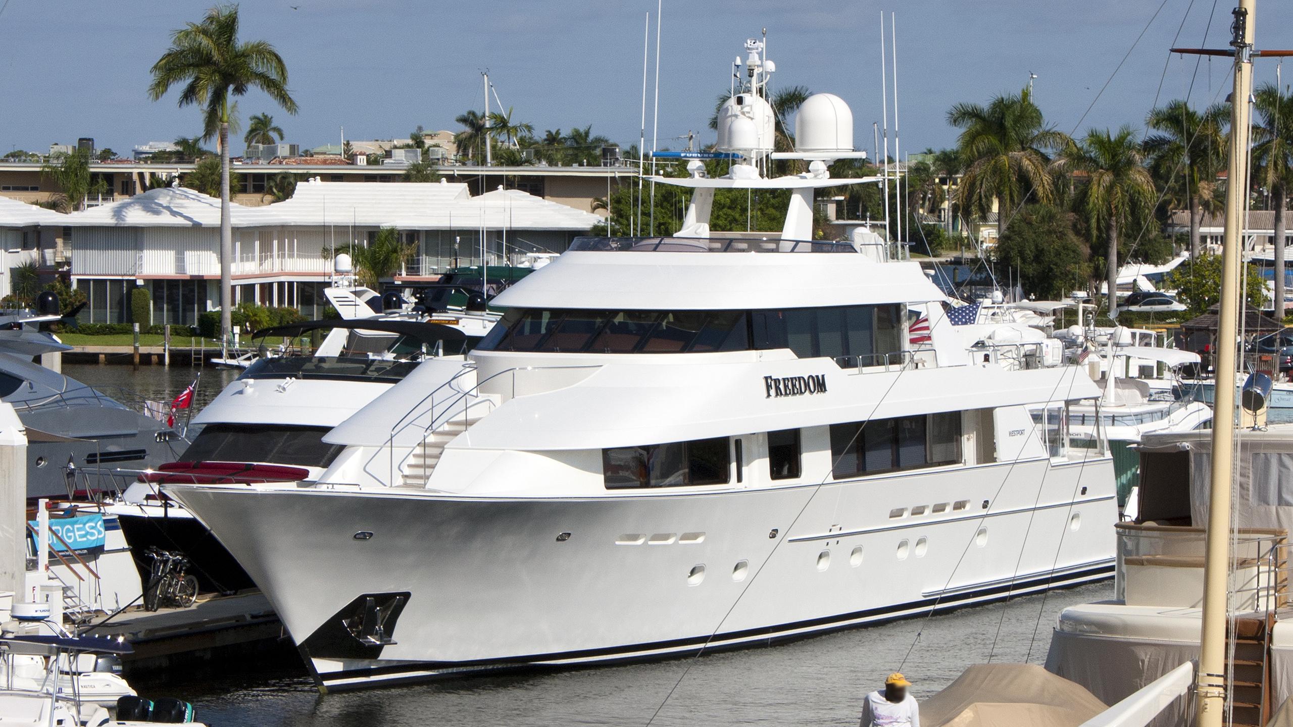 godspeed-motor-yacht-westport-130-2005-40m-half-profile