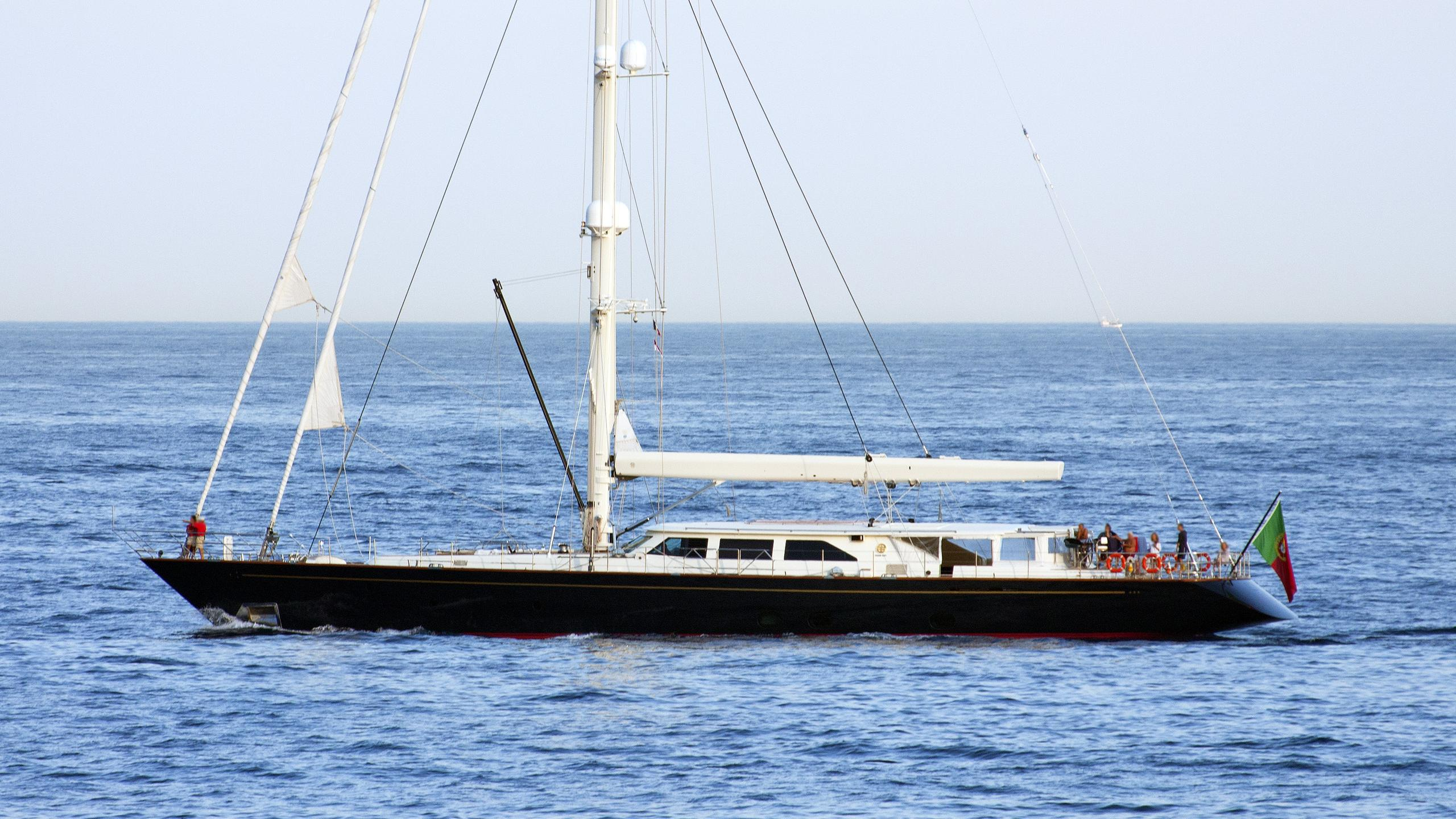 heritage-sailing-yacht-perini-navi-2006-45m-profile