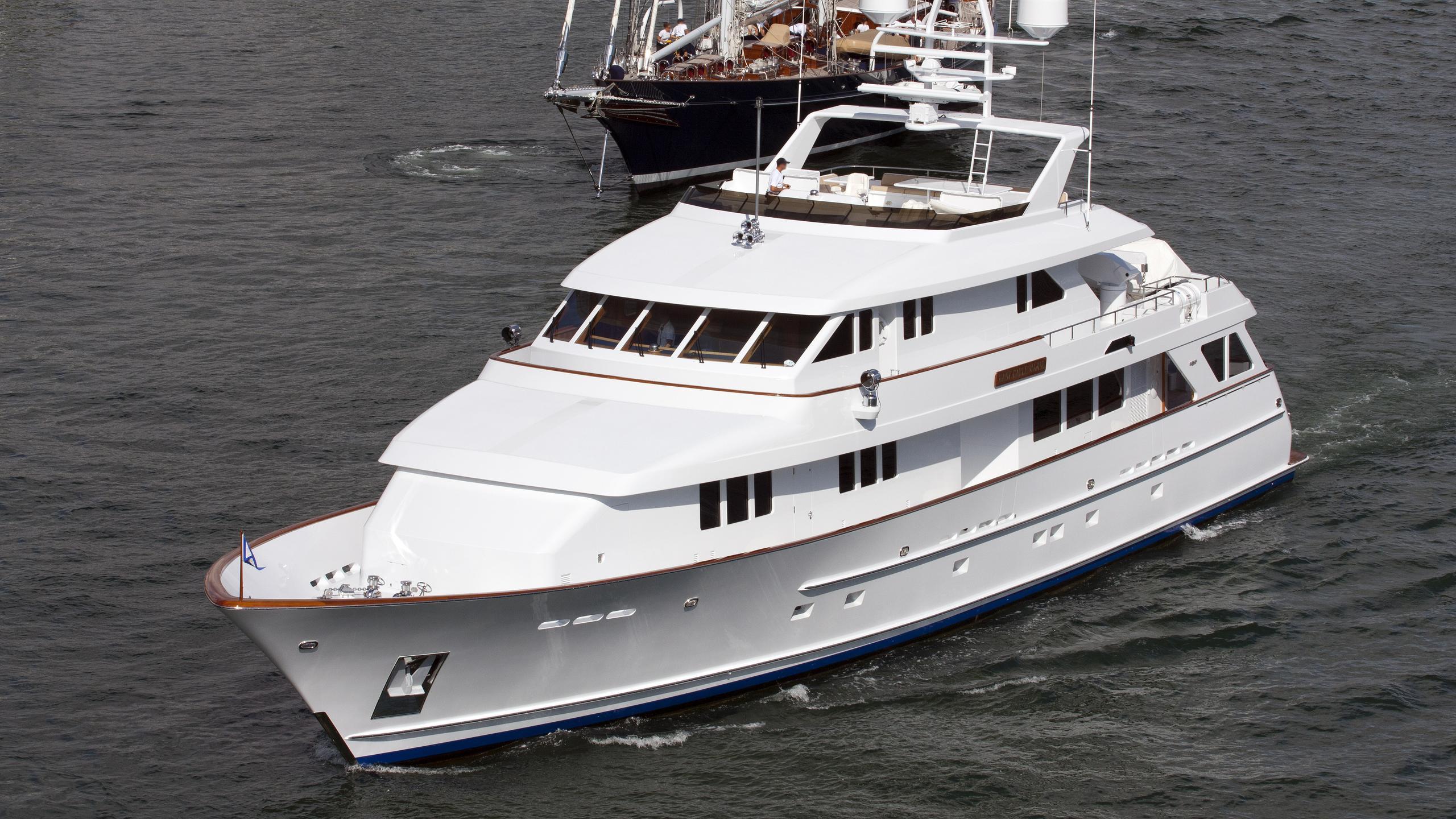 ar-de-motor-yacht-burger-boat-2002-37m-cruising