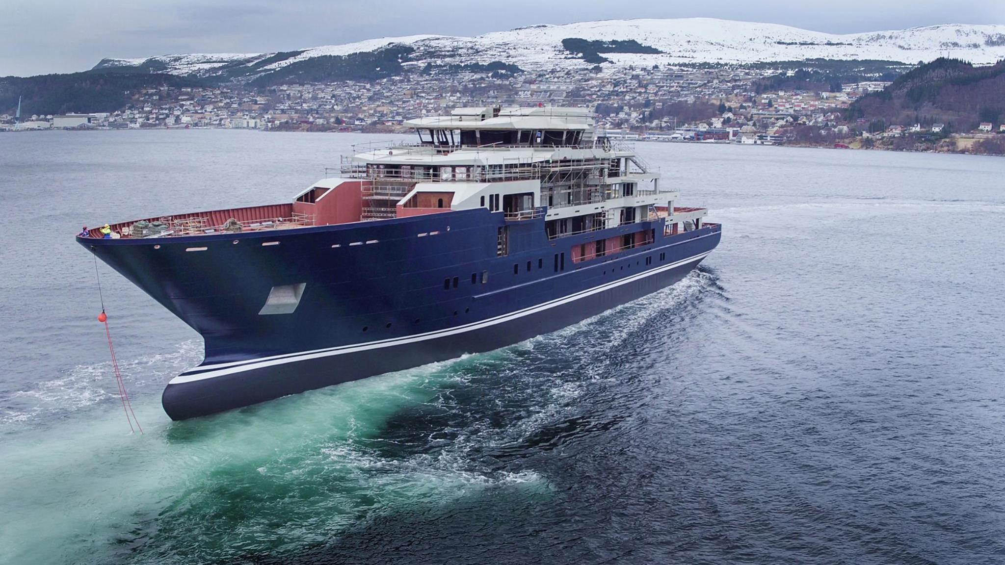kleven-370-explorer-yacht-2016-116m-half-profile