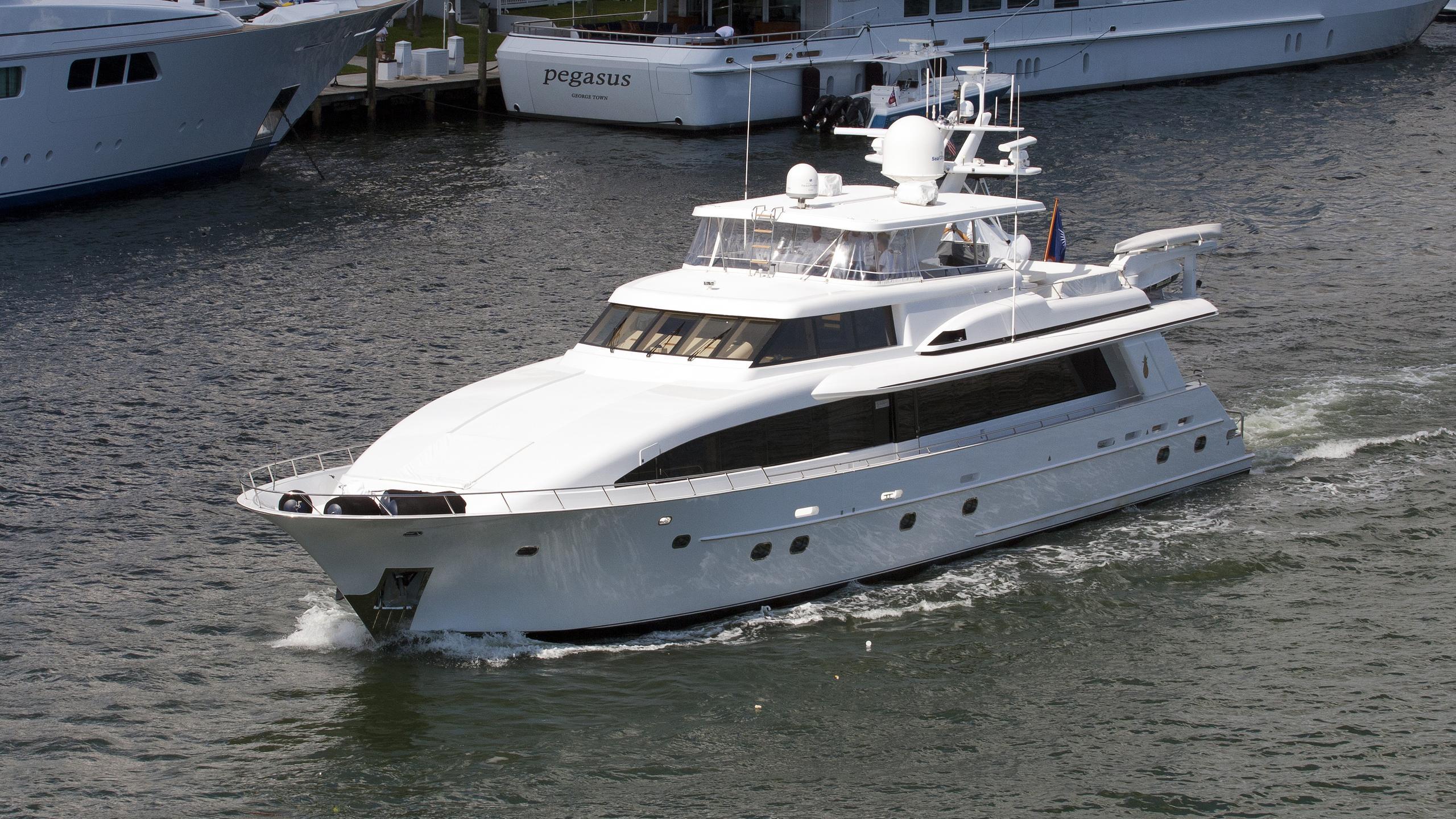 sans-souci-motor-yacht-crescent-1996-35m-cruising