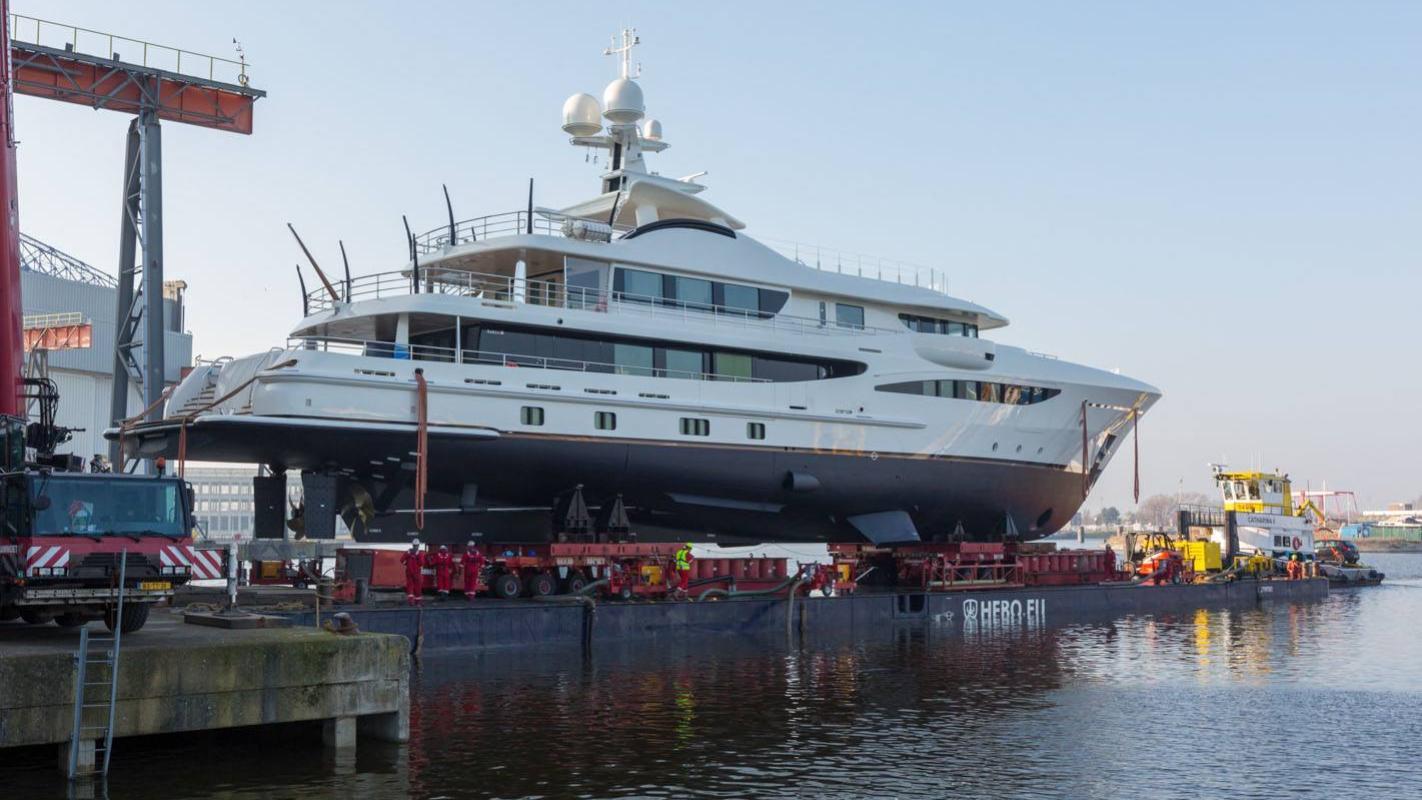 elixir-motor-yacht-amels-2016-55m-profile-dock