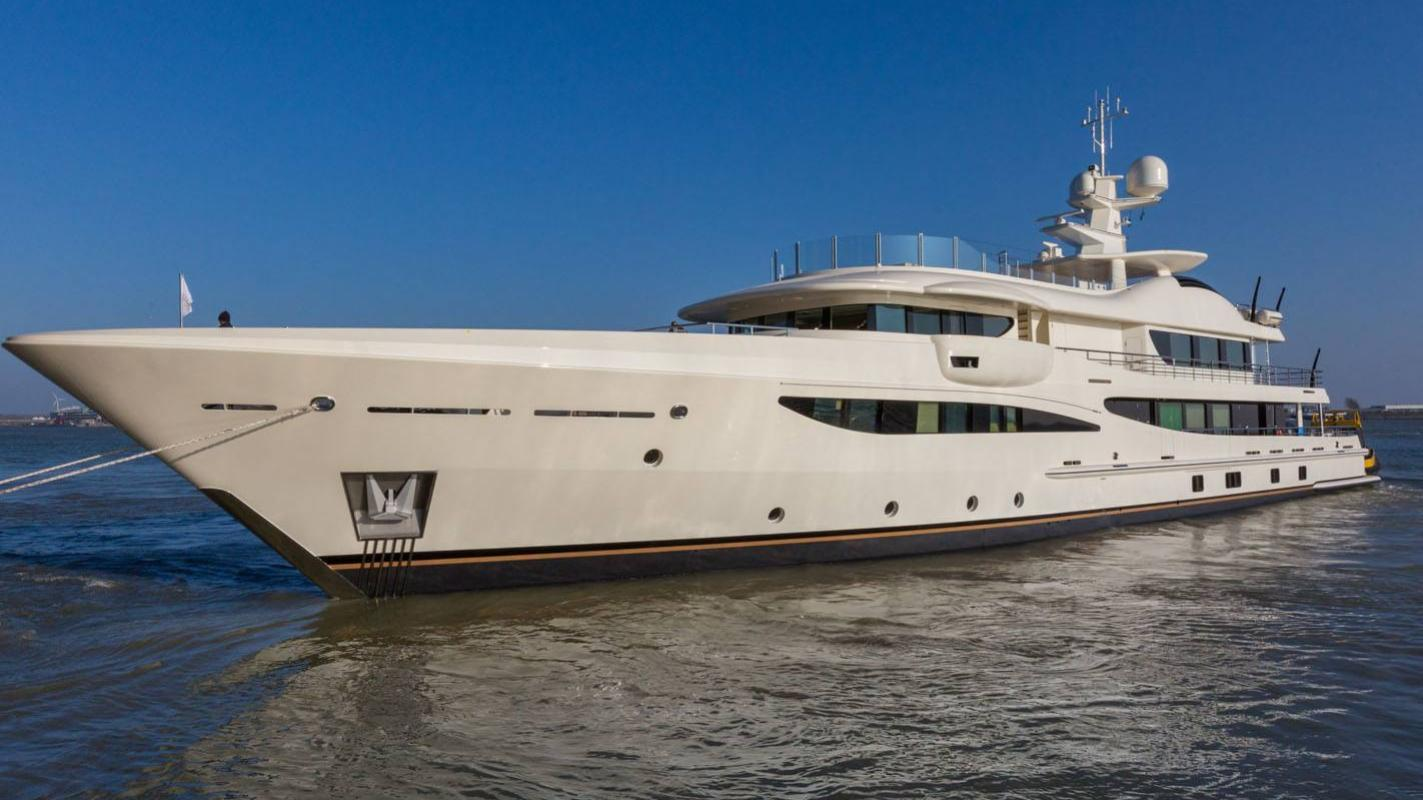 elixir-motor-yacht-amels-2016-55m-half-profile