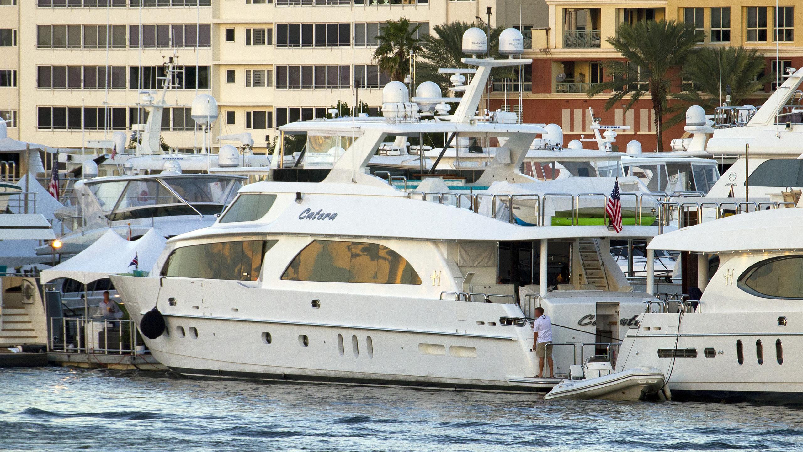 cynderella catera motoryacht hargrave 101 2010 30m half stern